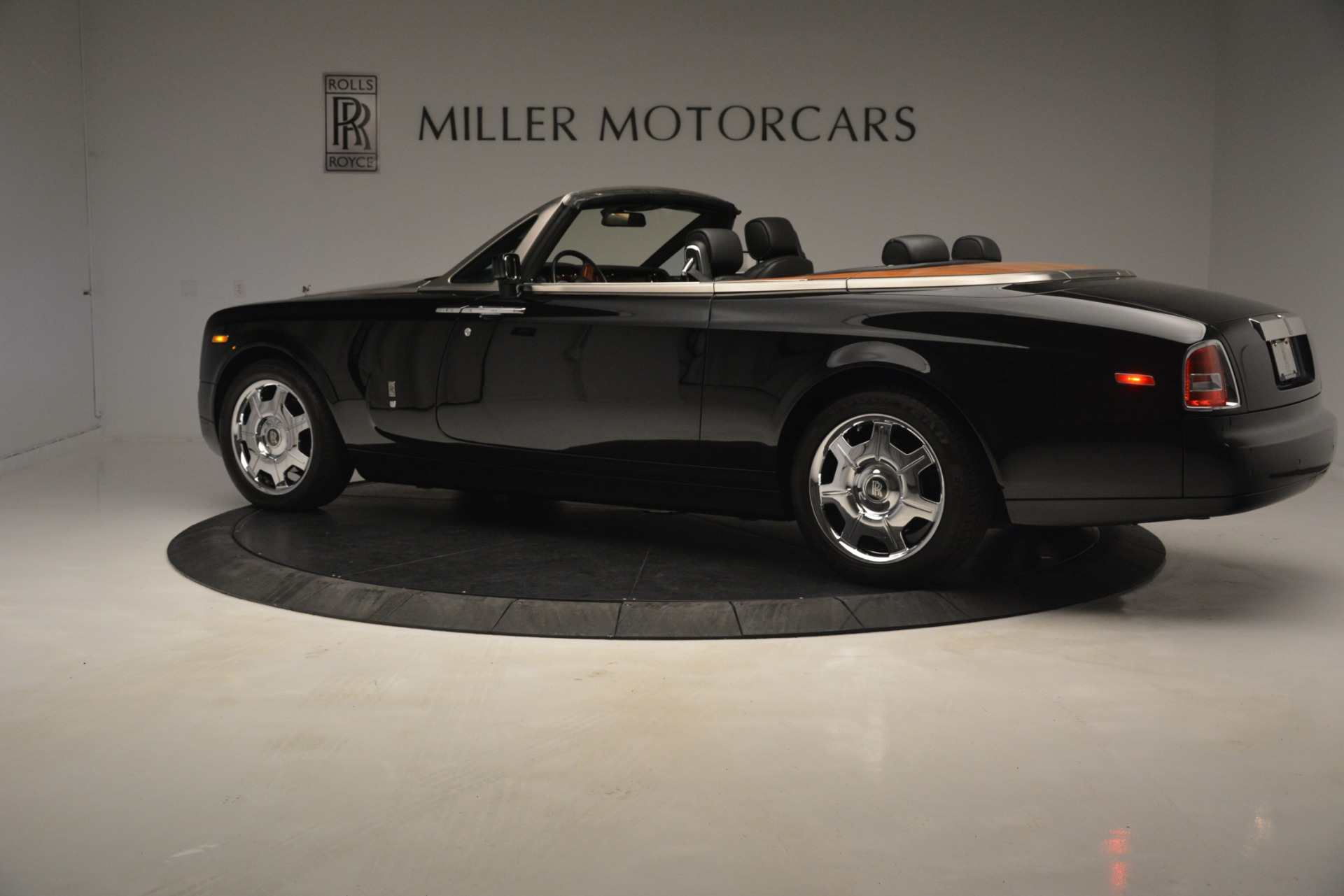 Used 2008 Rolls-Royce Phantom Drophead Coupe  For Sale In Greenwich, CT. Alfa Romeo of Greenwich, B1384A 3000_p6