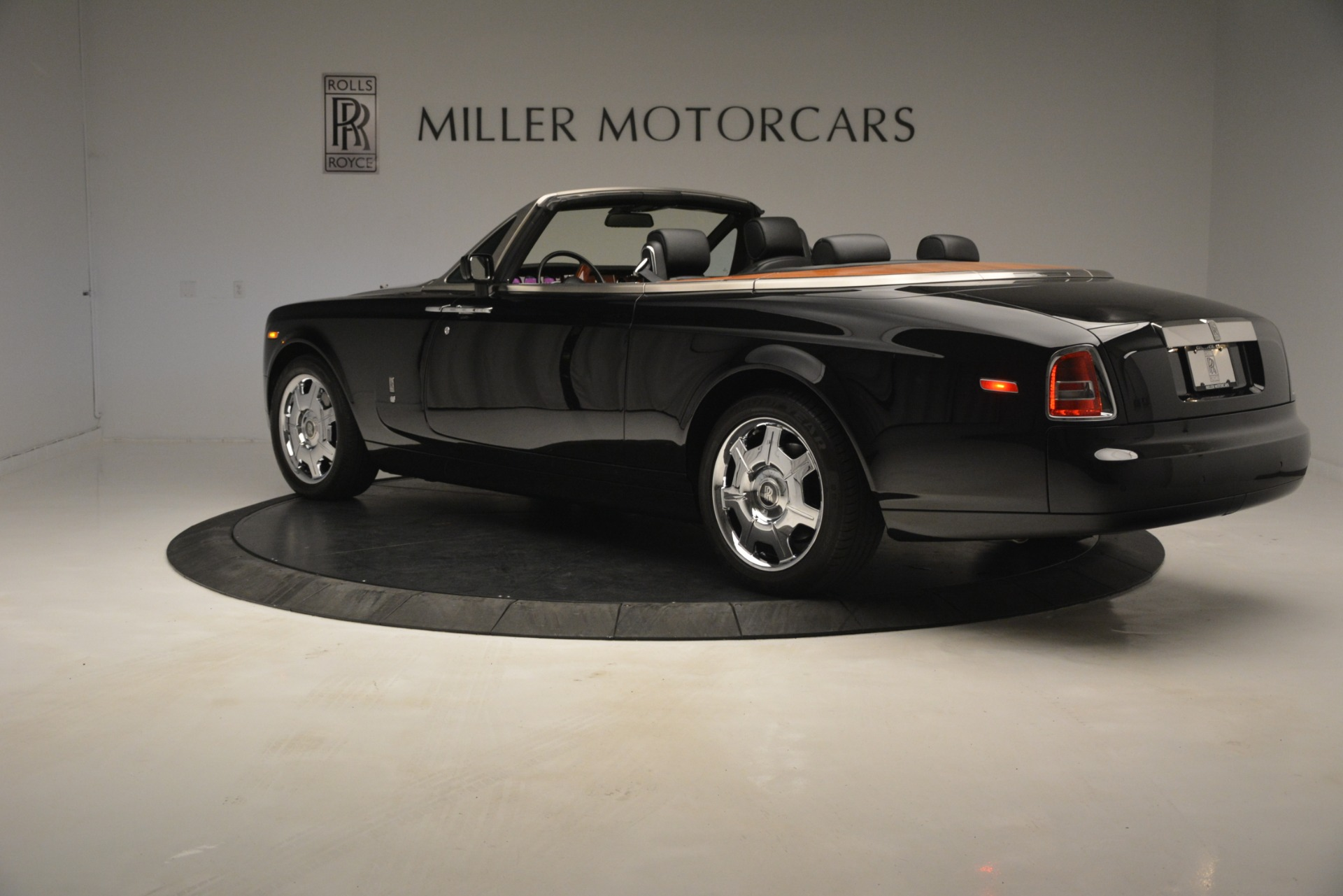Used 2008 Rolls-Royce Phantom Drophead Coupe  For Sale $155900 In Greenwich, CT 3000_p7
