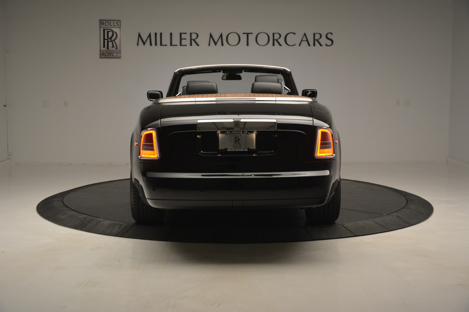 Used 2008 Rolls-Royce Phantom Drophead Coupe  For Sale $155900 In Greenwich, CT 3000_p9
