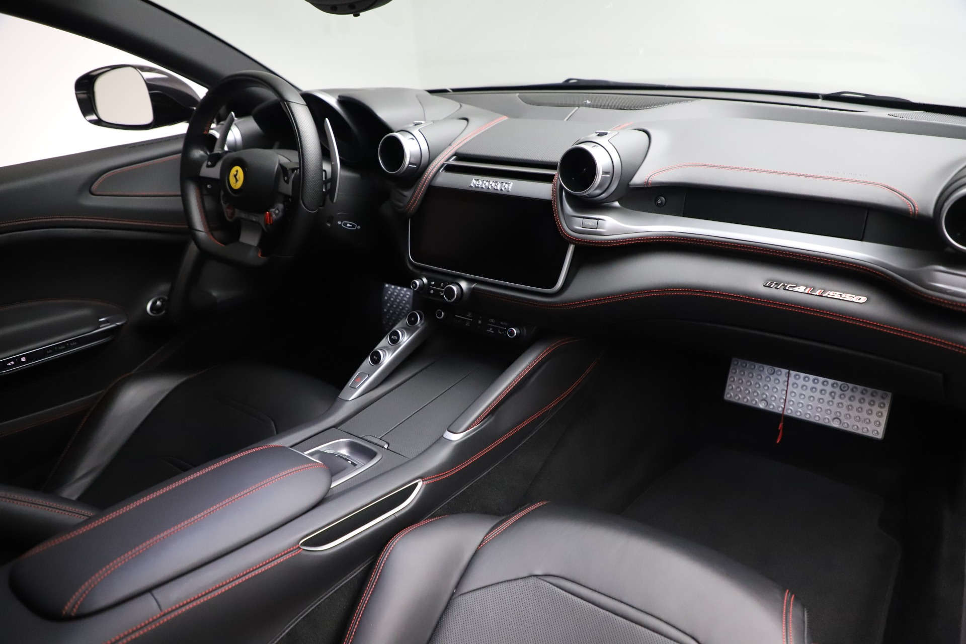 Used 2018 Ferrari GTC4Lusso  For Sale In Greenwich, CT. Alfa Romeo of Greenwich, F1895B 3005_p17