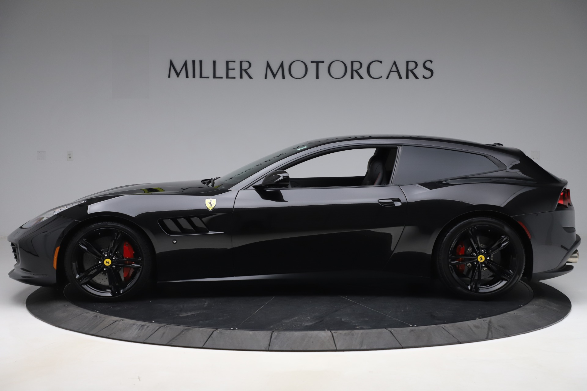 Used 2018 Ferrari GTC4Lusso  For Sale In Greenwich, CT. Alfa Romeo of Greenwich, F1895B 3005_p3