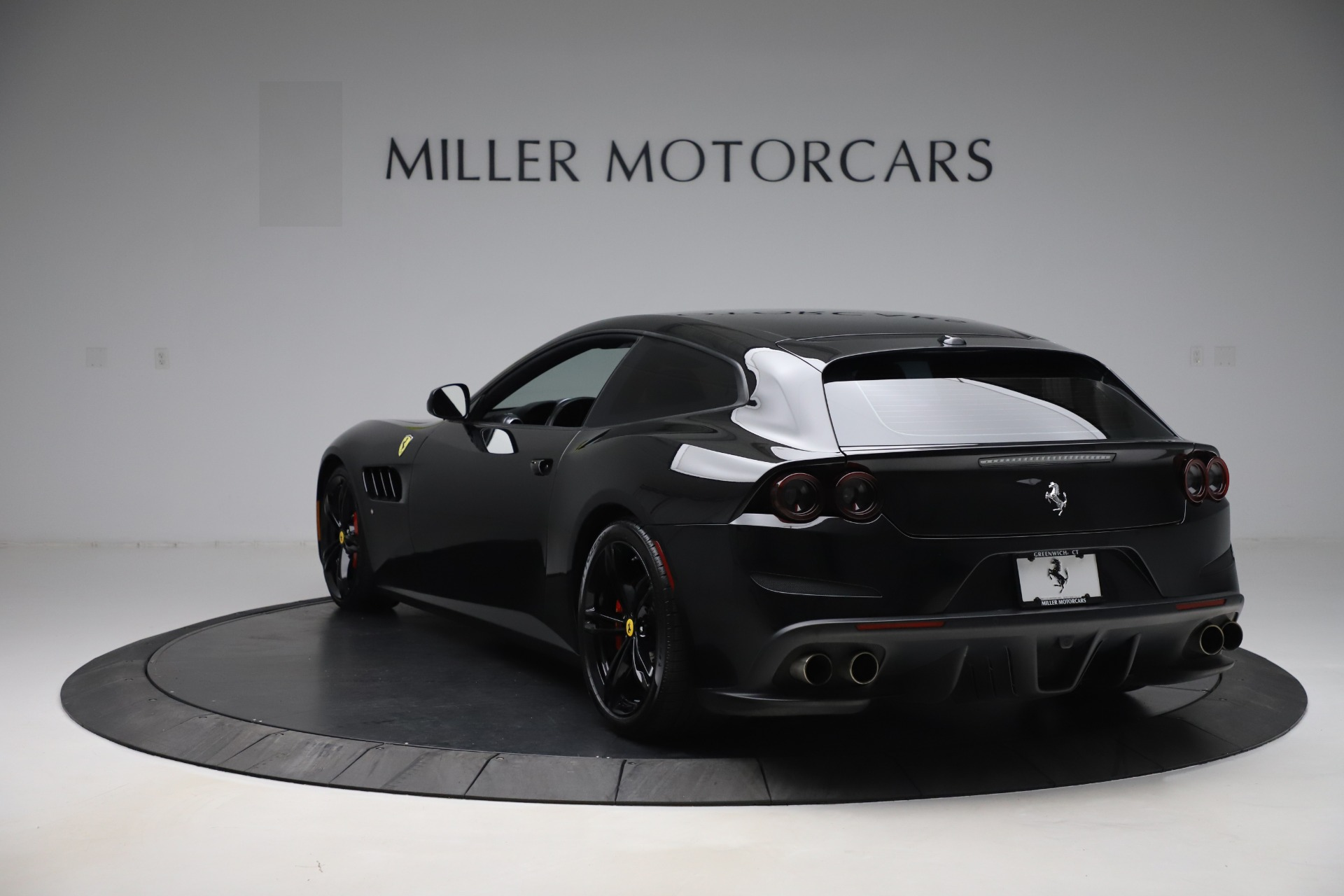 Used 2018 Ferrari GTC4Lusso  For Sale In Greenwich, CT. Alfa Romeo of Greenwich, F1895B 3005_p5
