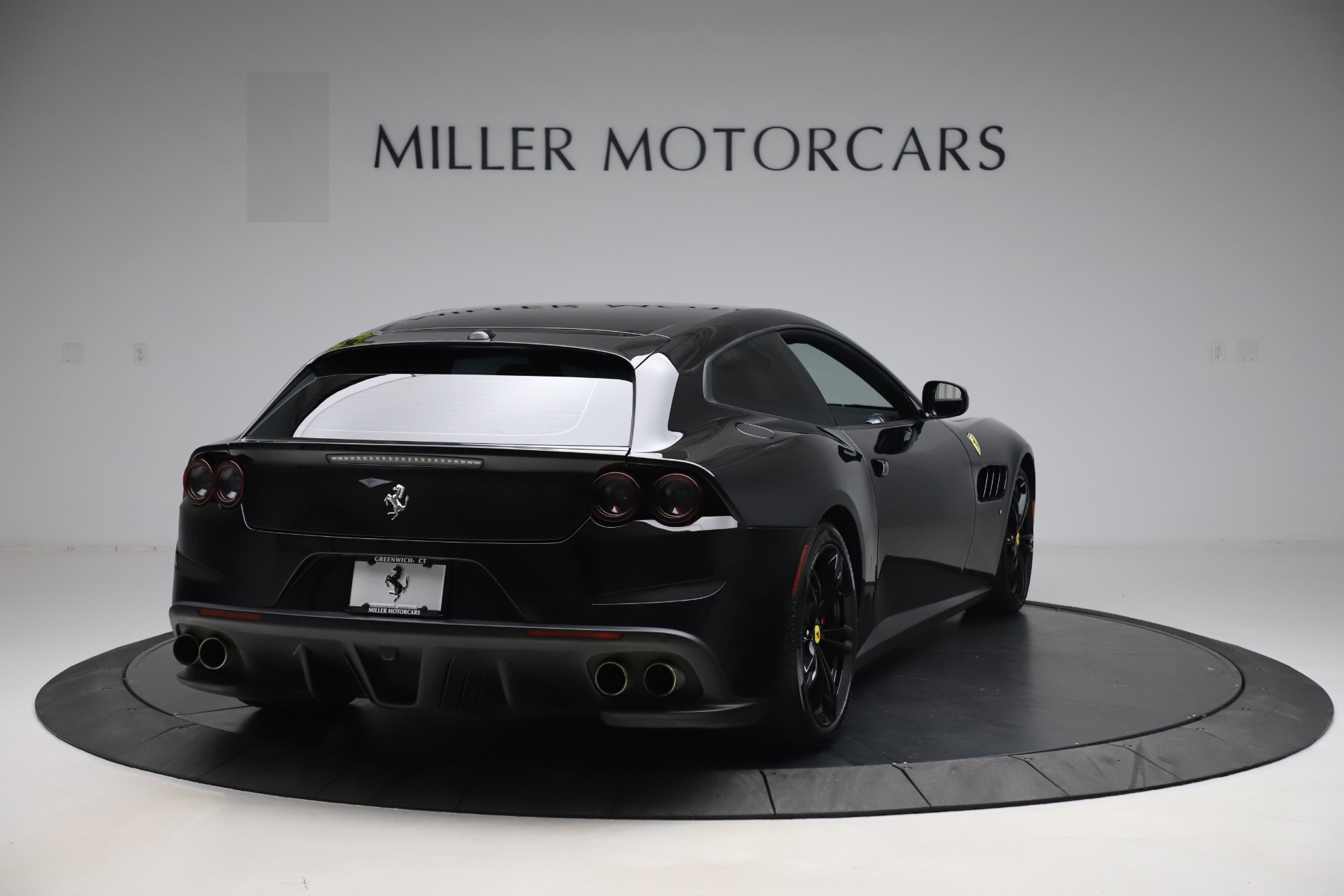 Used 2018 Ferrari GTC4Lusso  For Sale In Greenwich, CT. Alfa Romeo of Greenwich, F1895B 3005_p7