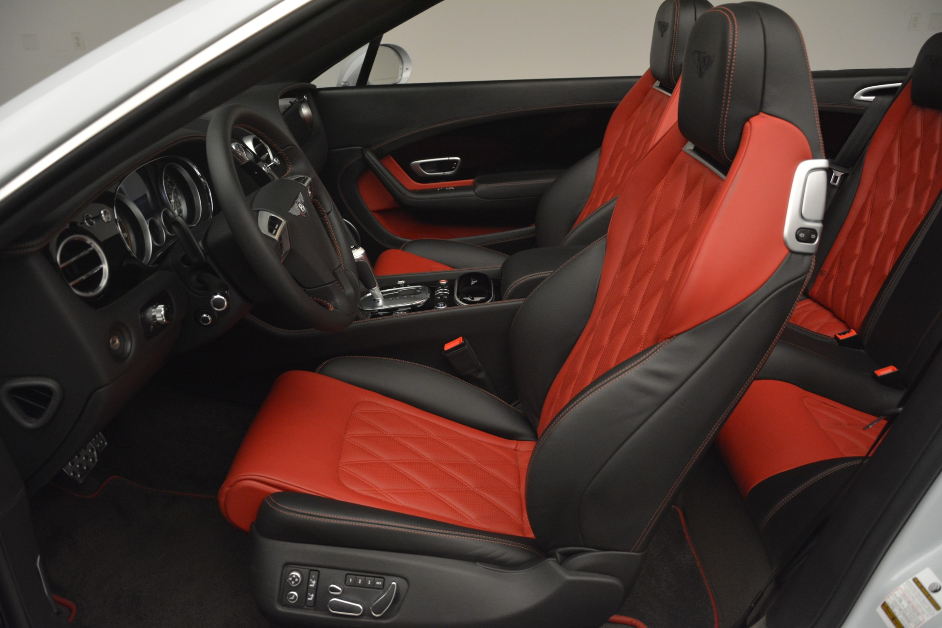 Used 2014 Bentley Continental GT V8 S For Sale In Greenwich, CT. Alfa Romeo of Greenwich, 7519 3011_p24
