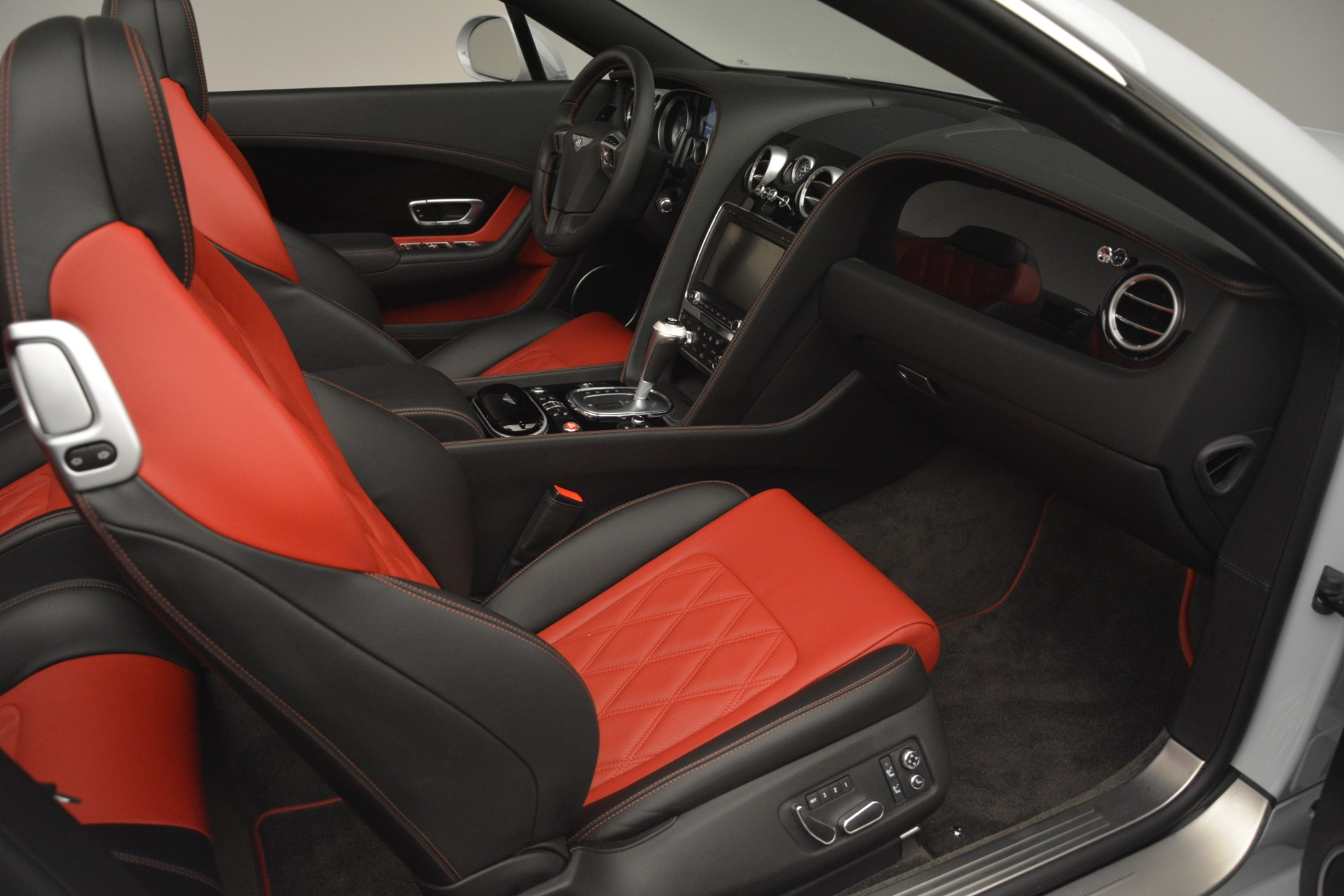 Used 2014 Bentley Continental GT V8 S For Sale In Greenwich, CT. Alfa Romeo of Greenwich, 7519 3011_p32