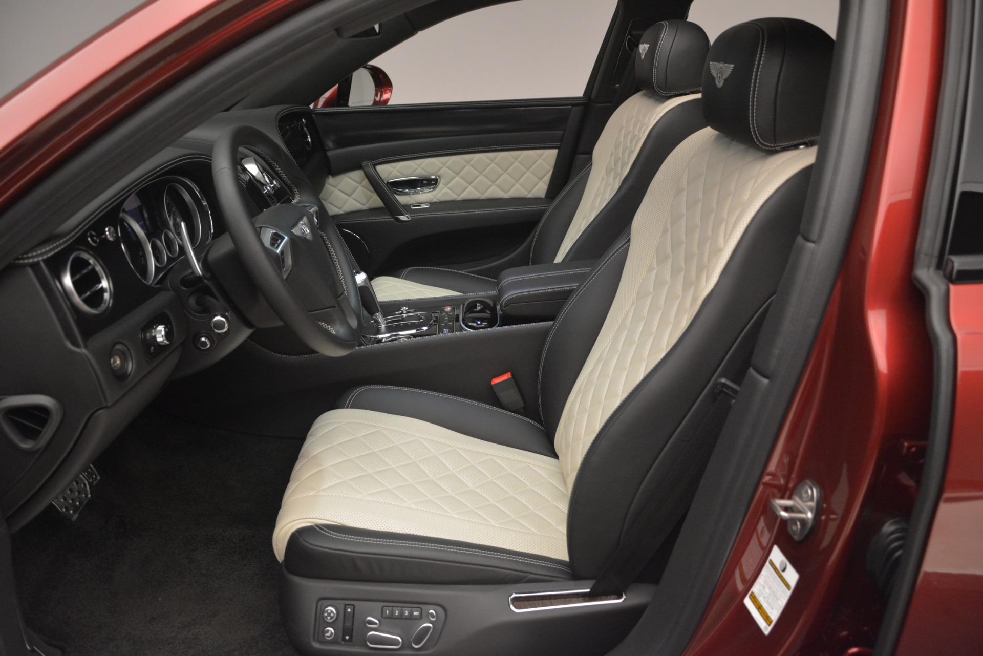 Used 2018 Bentley Flying Spur W12 S For Sale $271780 In Greenwich, CT 3014_p19