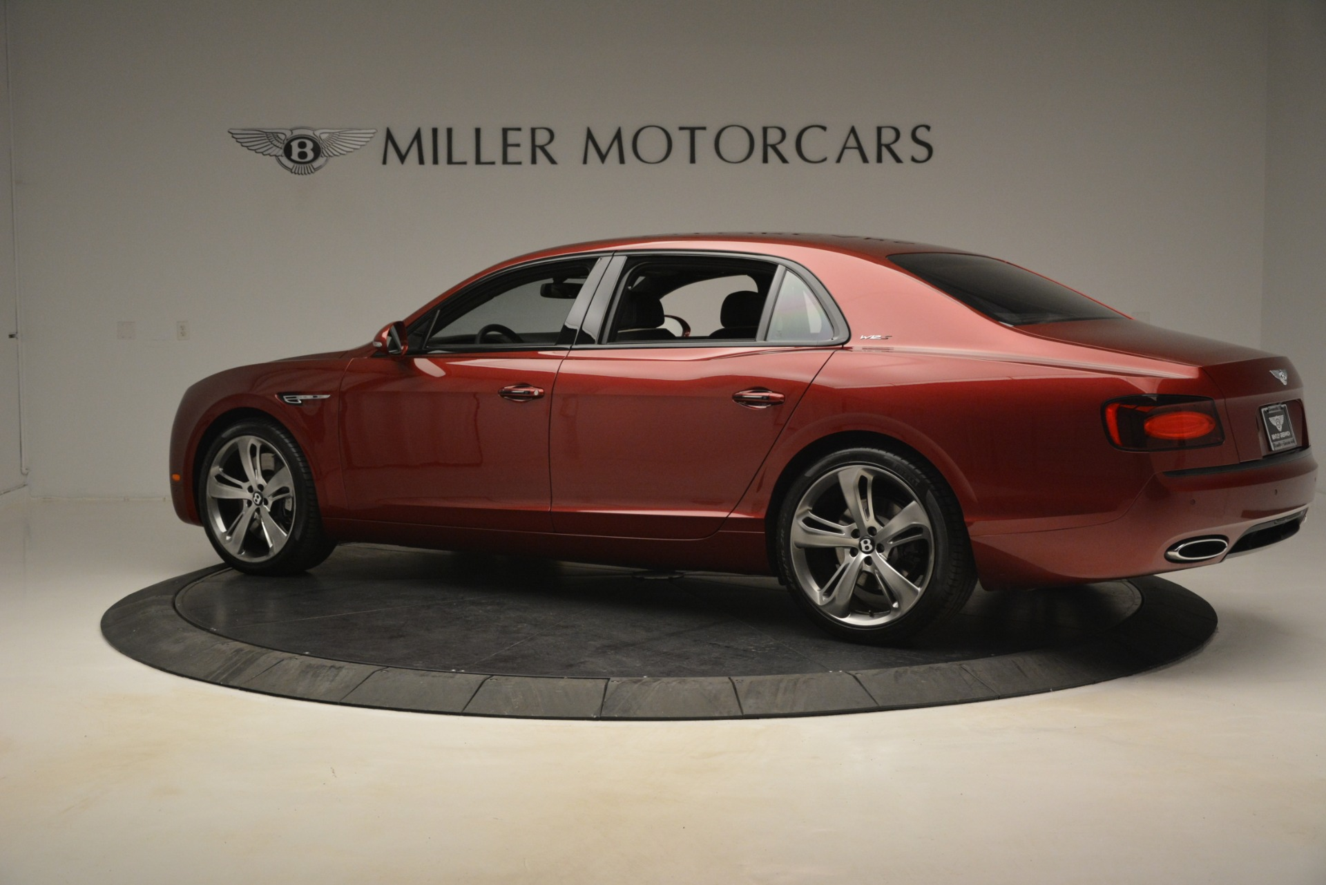 Used 2018 Bentley Flying Spur W12 S For Sale $271780 In Greenwich, CT 3014_p4