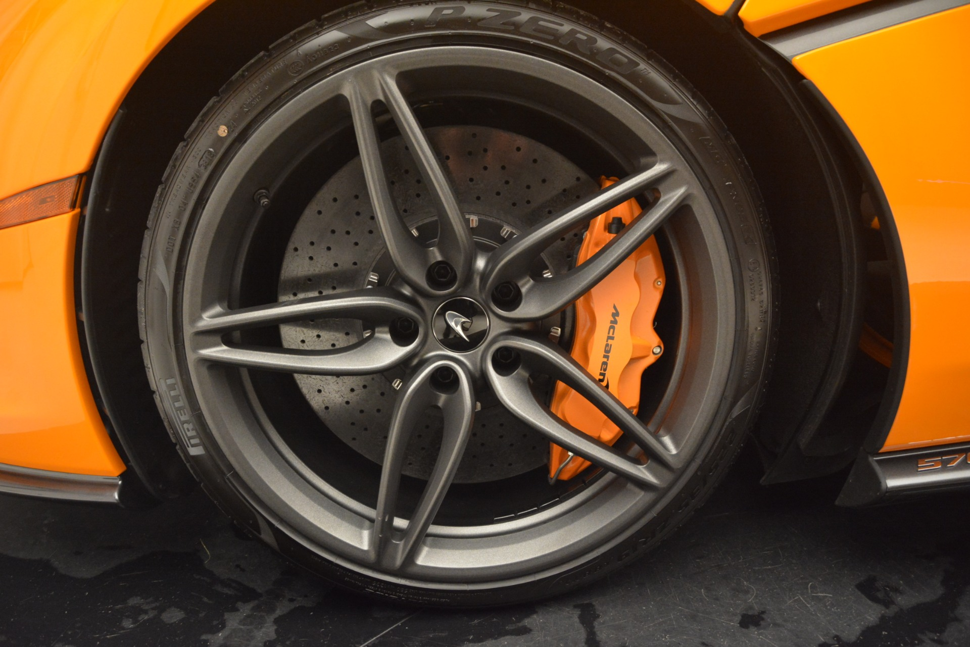 New 2019 McLaren 570S Coupe For Sale In Greenwich, CT. Alfa Romeo of Greenwich, MC417 3027_p15