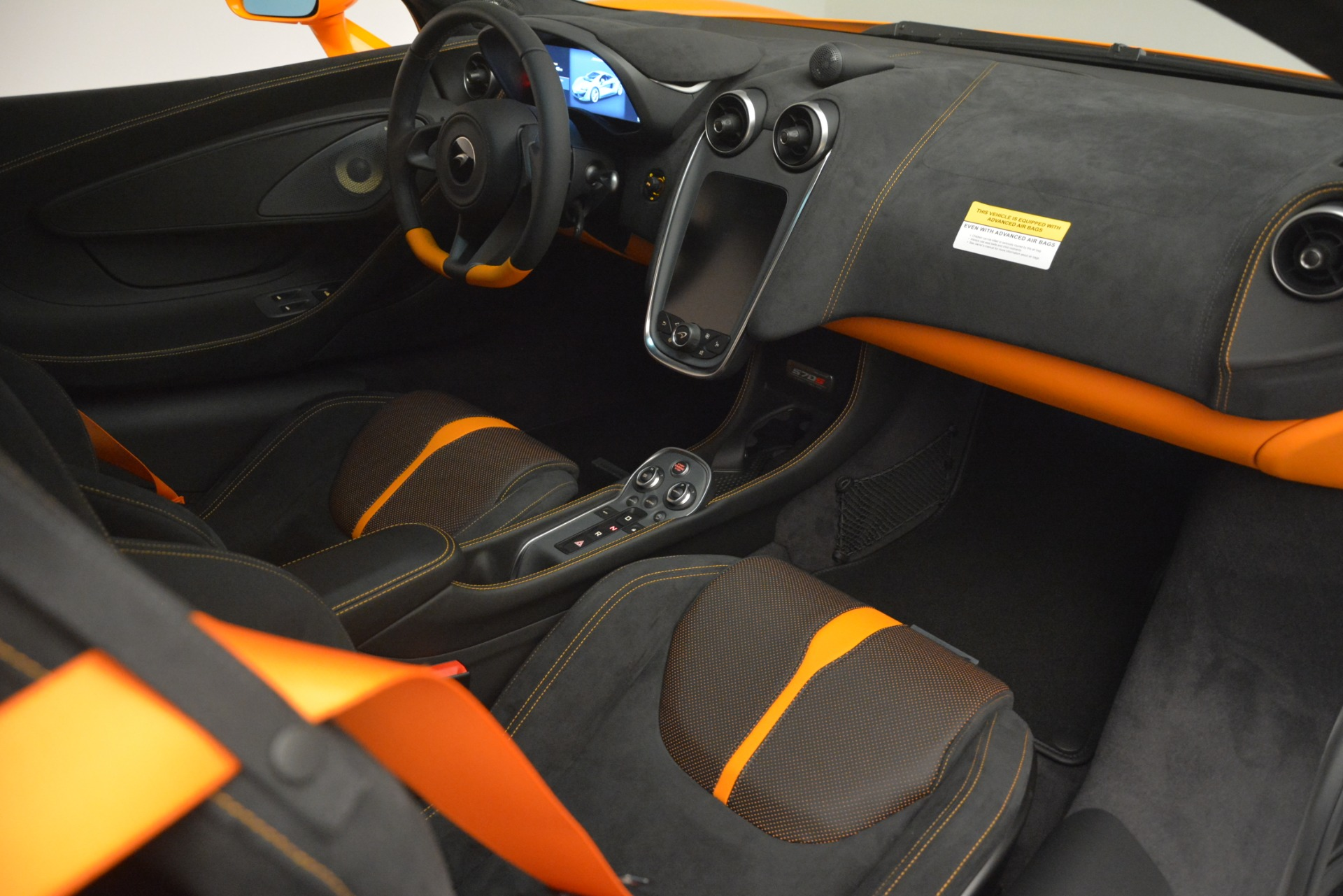 New 2019 McLaren 570S Coupe For Sale In Greenwich, CT. Alfa Romeo of Greenwich, MC417 3027_p19