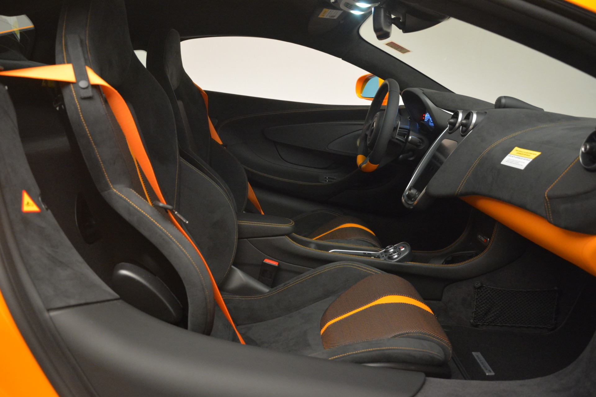 New 2019 McLaren 570S Coupe For Sale In Greenwich, CT. Alfa Romeo of Greenwich, MC417 3027_p20