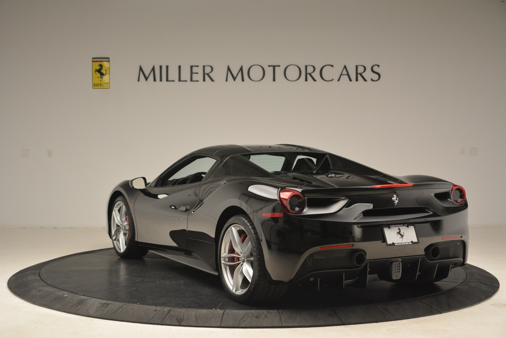 Used 2018 Ferrari 488 Spider  For Sale In Greenwich, CT. Alfa Romeo of Greenwich, F1891B 3029_p17