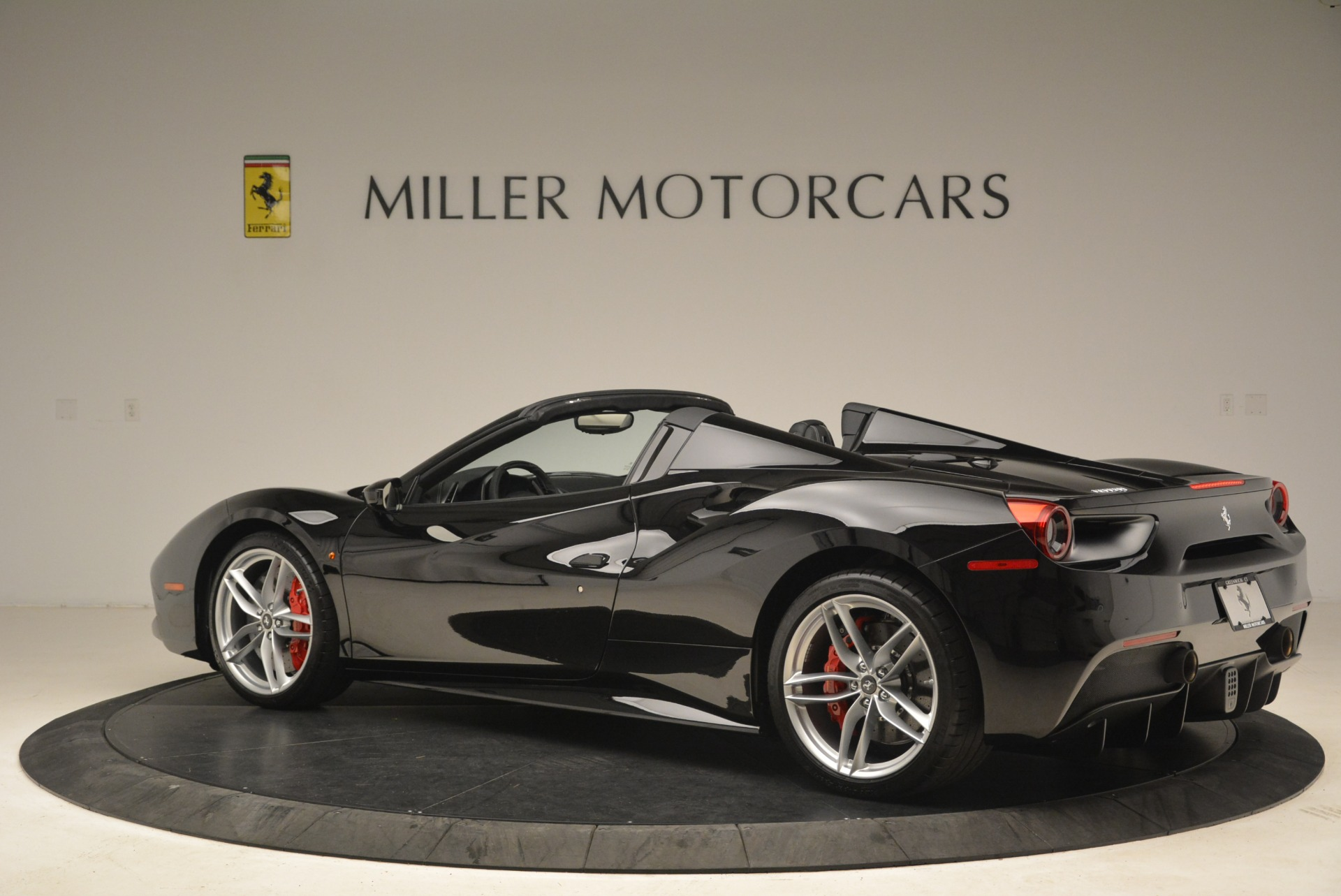 Used 2018 Ferrari 488 Spider  For Sale In Greenwich, CT. Alfa Romeo of Greenwich, F1891B 3029_p4