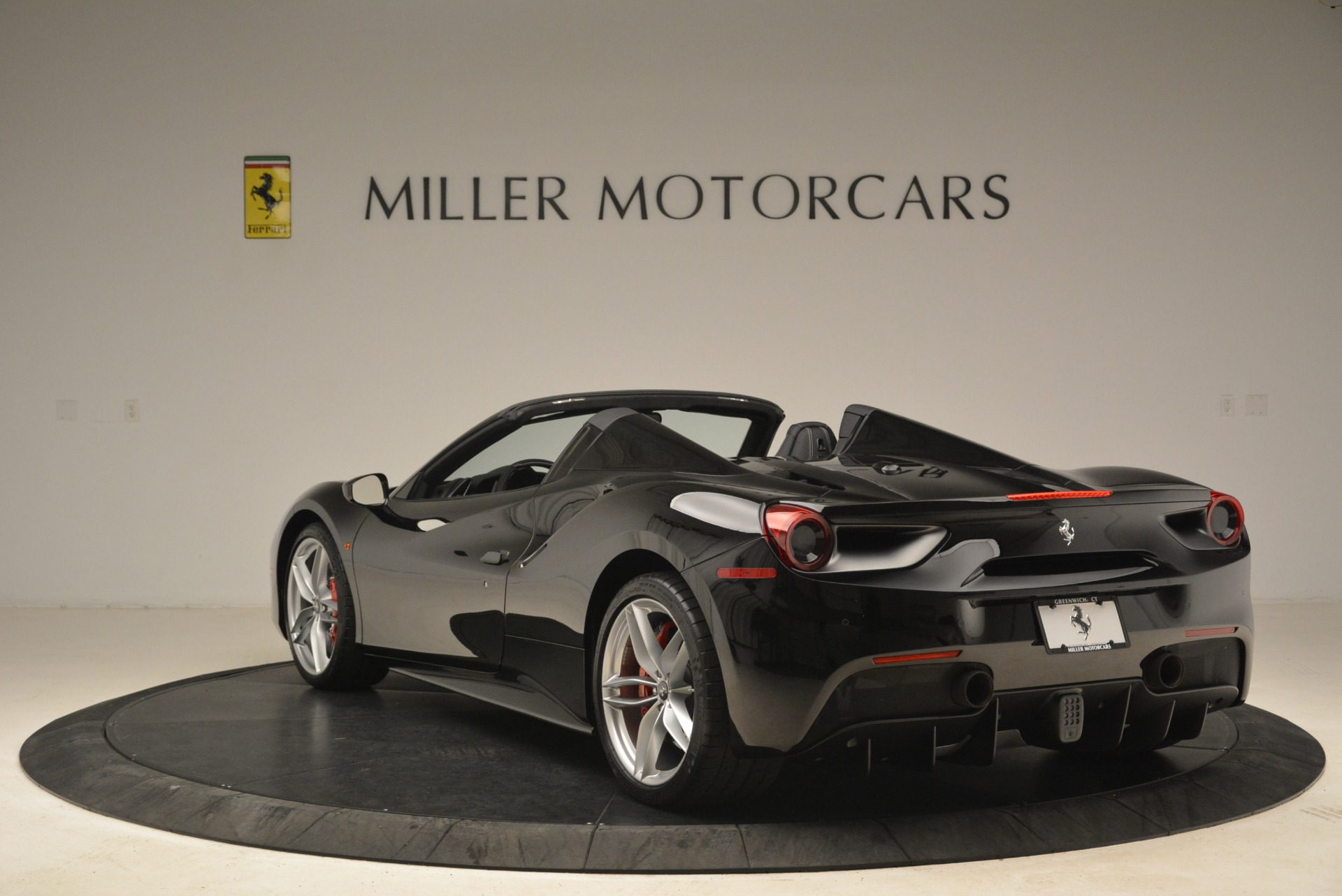 Used 2018 Ferrari 488 Spider  For Sale In Greenwich, CT. Alfa Romeo of Greenwich, F1891B 3029_p5