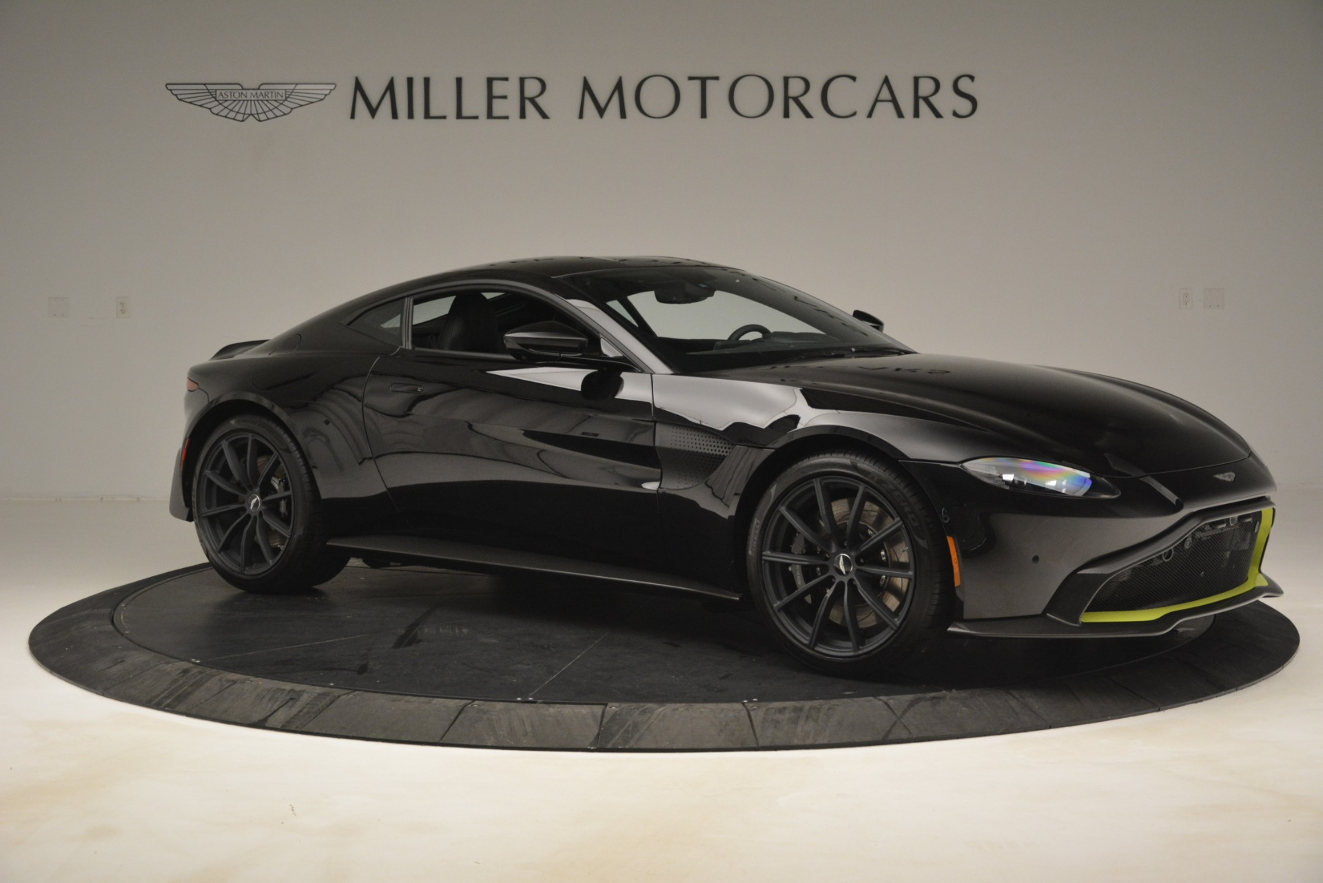 New 2019 Aston Martin Vantage Coupe For Sale $207962 In Greenwich, CT 3030_p11