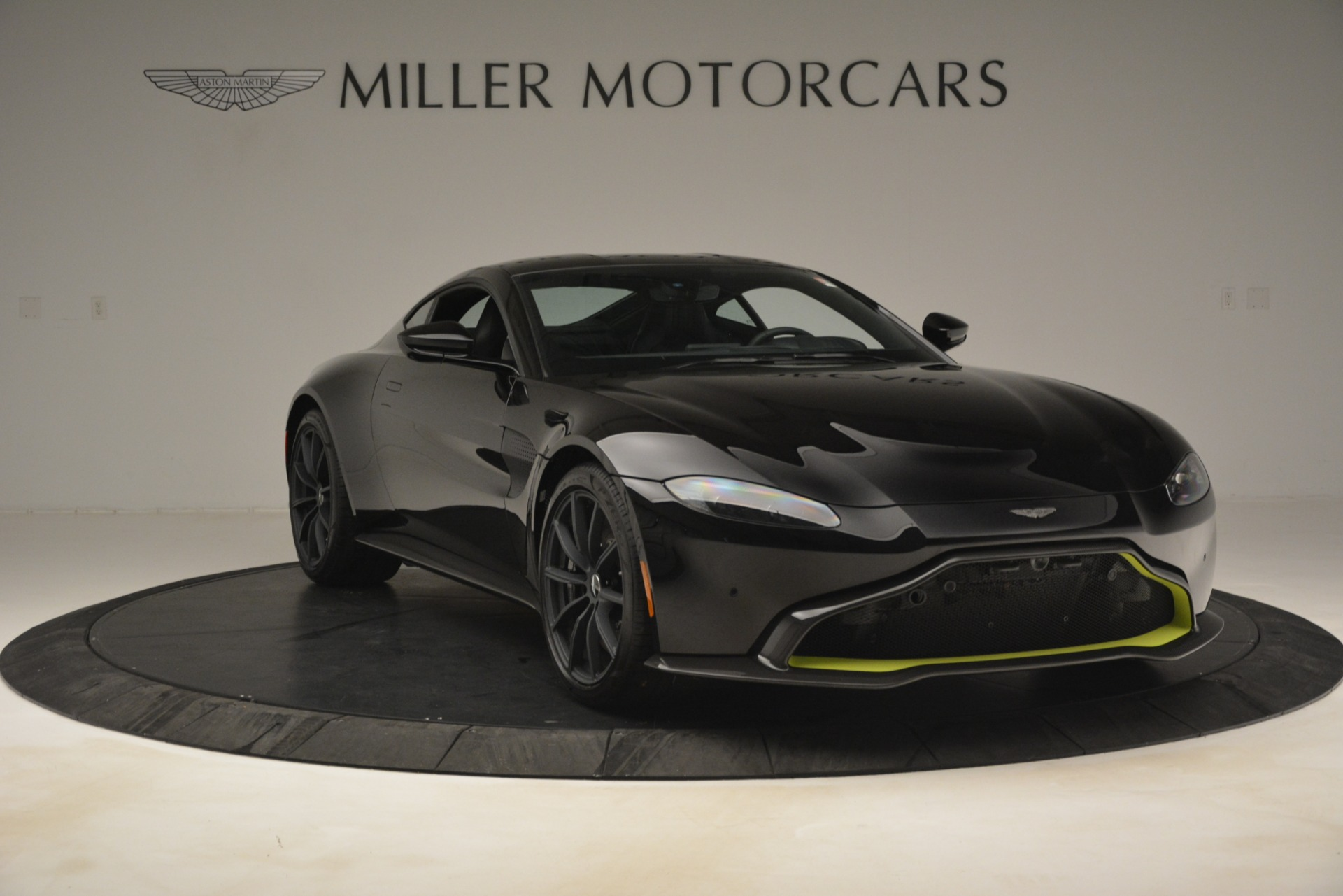 New 2019 Aston Martin Vantage Coupe For Sale $207962 In Greenwich, CT 3030_p12