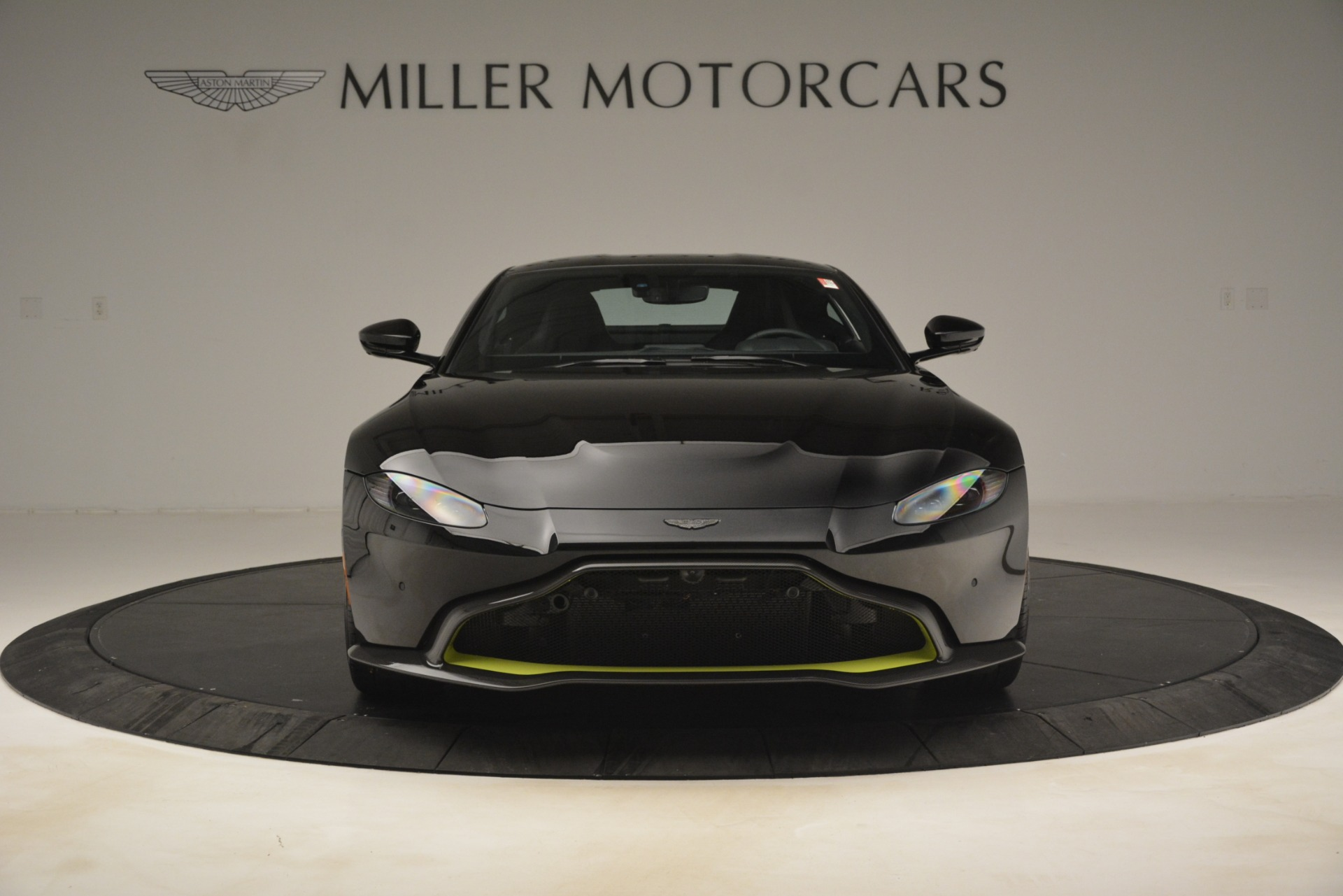 New 2019 Aston Martin Vantage Coupe For Sale $207962 In Greenwich, CT 3030_p13