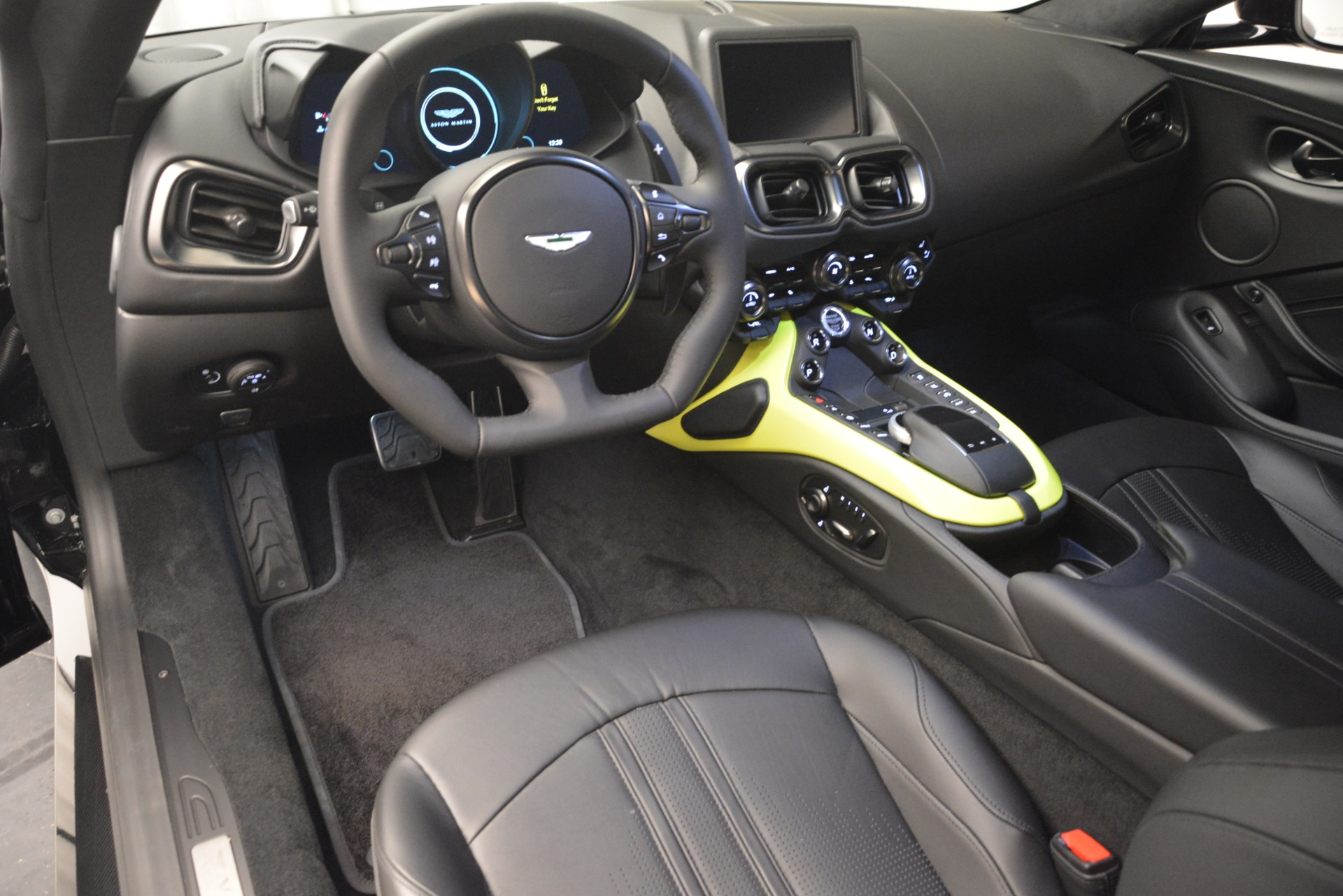 New 2019 Aston Martin Vantage Coupe For Sale $207962 In Greenwich, CT 3030_p14