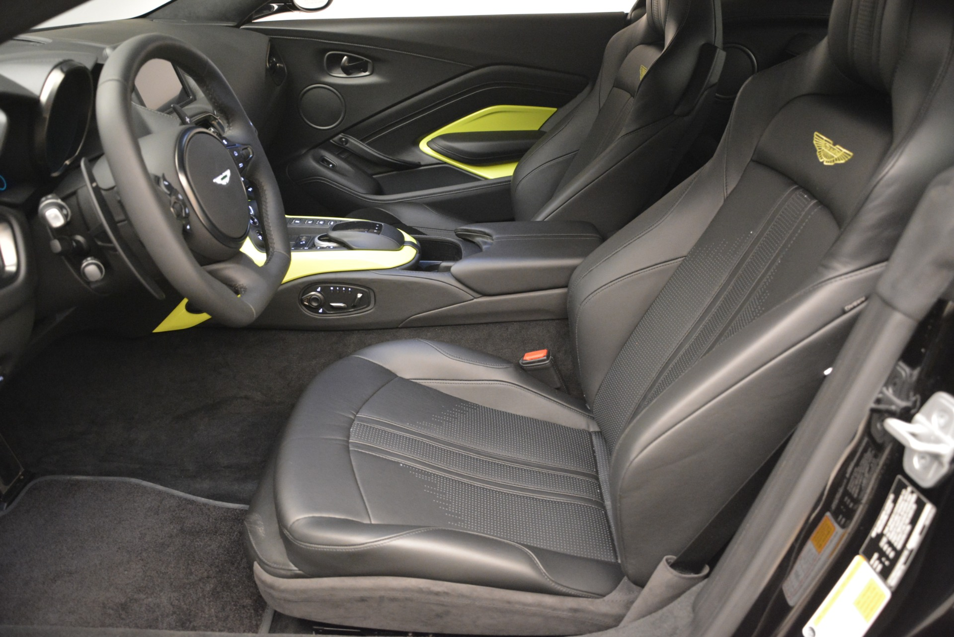 New 2019 Aston Martin Vantage Coupe For Sale $207962 In Greenwich, CT 3030_p15