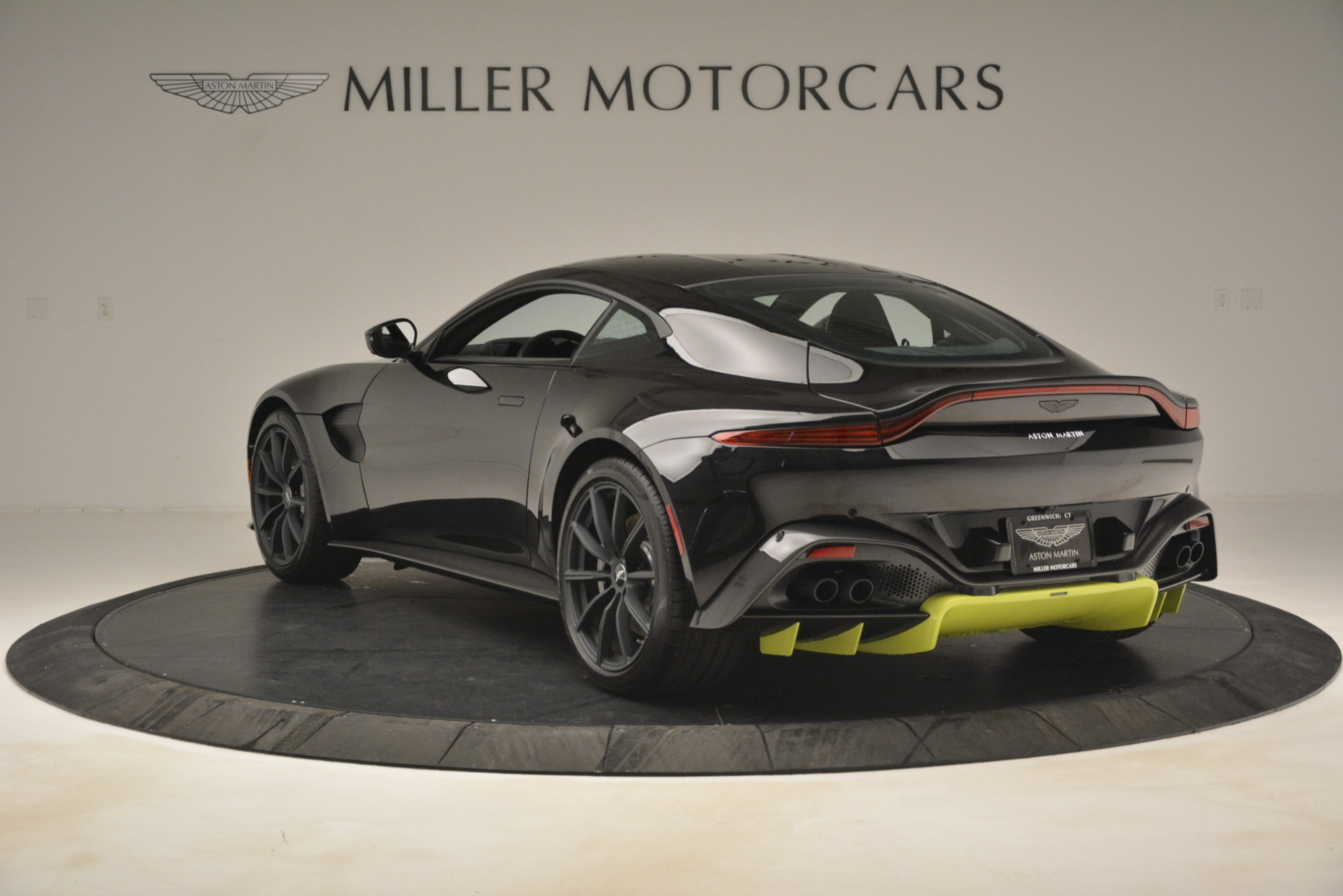 New 2019 Aston Martin Vantage Coupe For Sale $207962 In Greenwich, CT 3030_p6