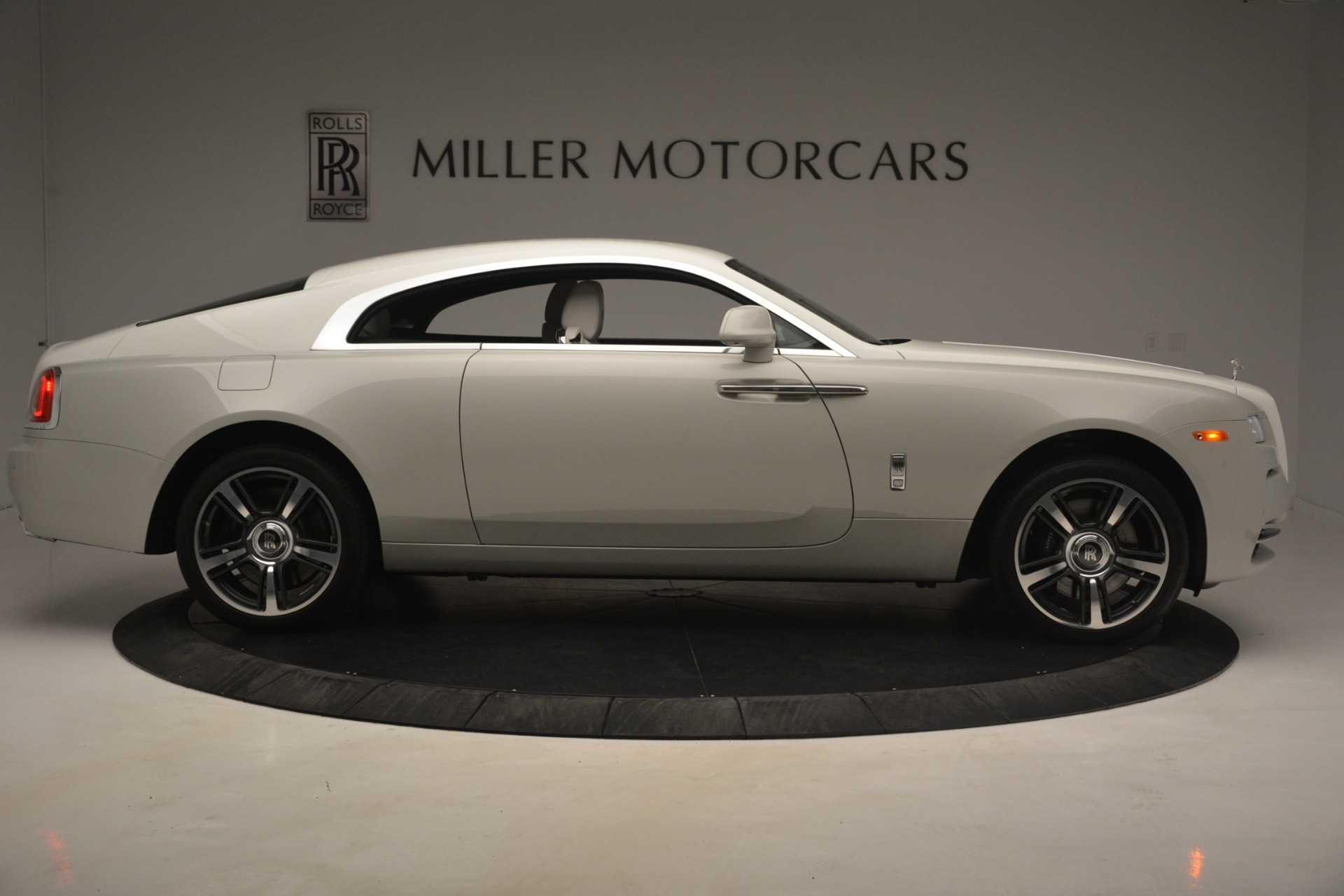 Used 2016 Rolls-Royce Wraith  For Sale $229900 In Greenwich, CT 3043_p11