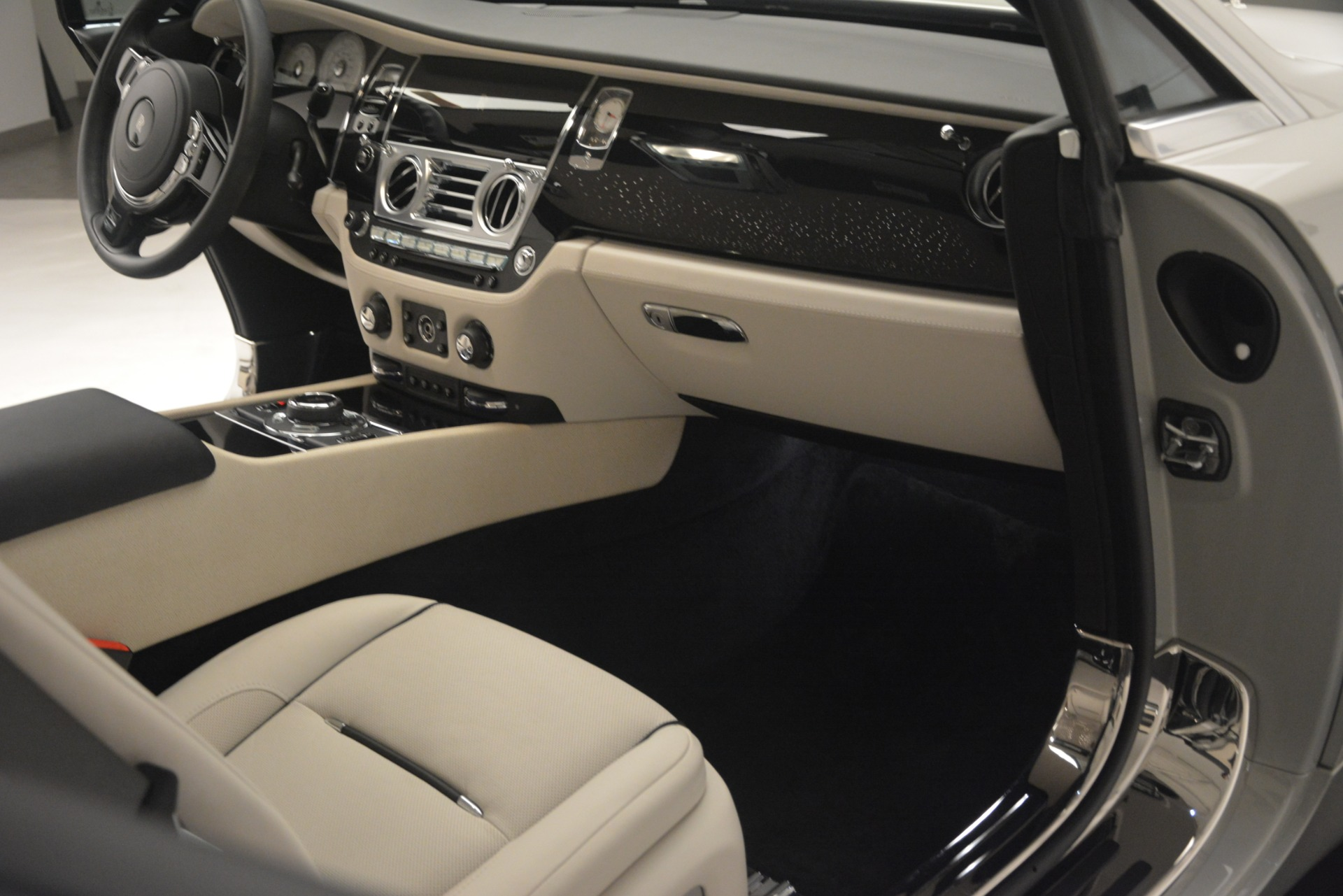 Used 2016 Rolls-Royce Wraith  For Sale $229900 In Greenwich, CT 3043_p32