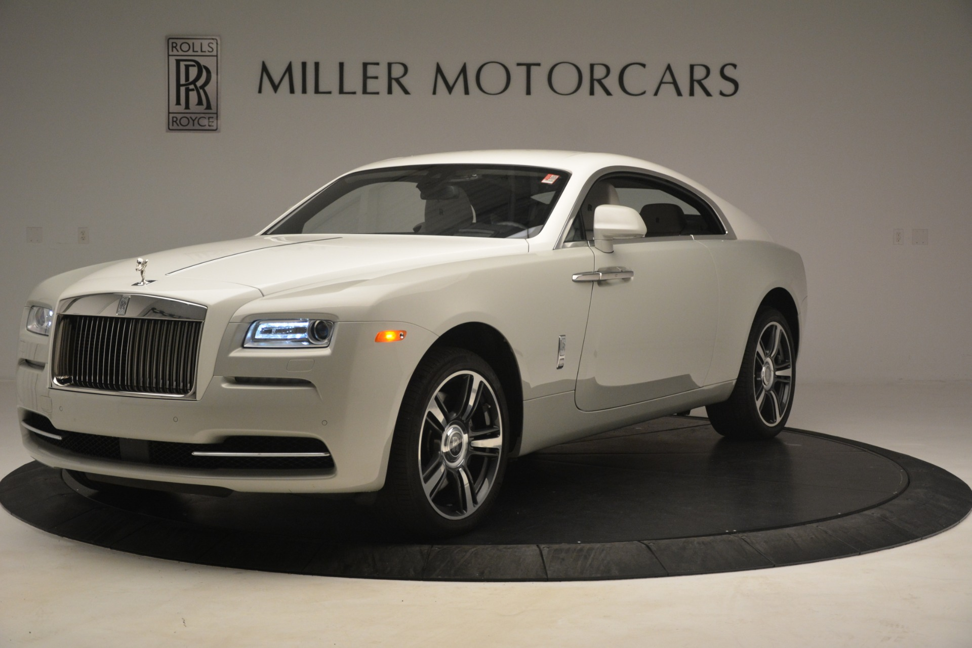 Used 2016 Rolls-Royce Wraith  For Sale $229900 In Greenwich, CT 3043_p3