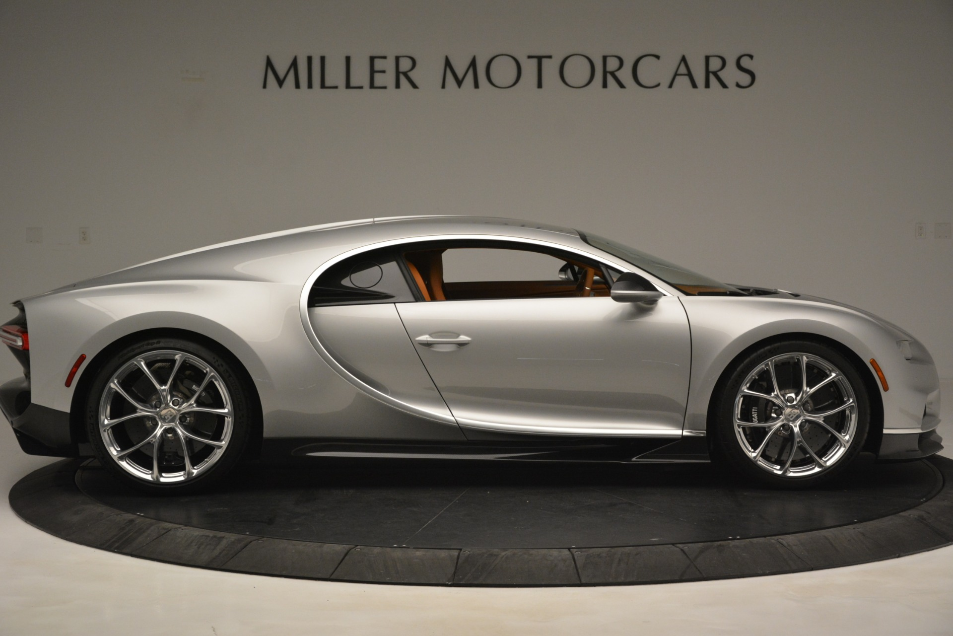 Used 2019 Bugatti Chiron  For Sale In Greenwich, CT. Alfa Romeo of Greenwich, 7529C 3048_p9