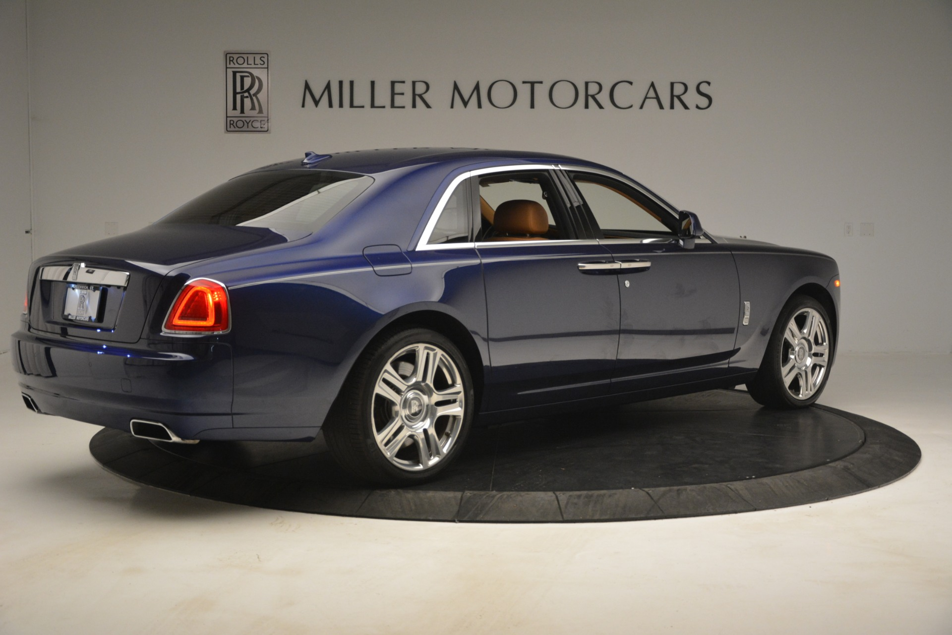 Used 2016 Rolls-Royce Ghost  For Sale In Greenwich, CT. Alfa Romeo of Greenwich, 7521 3050_p11