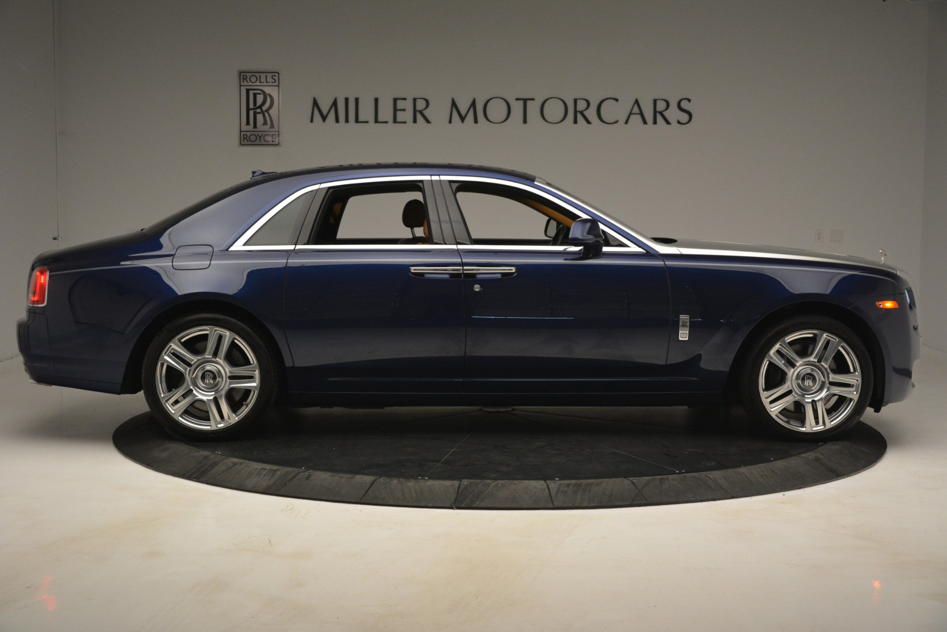 Used 2016 Rolls-Royce Ghost  For Sale In Greenwich, CT. Alfa Romeo of Greenwich, 7521 3050_p12