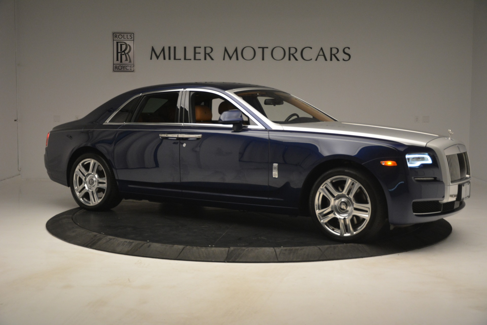 Used 2016 Rolls-Royce Ghost  For Sale In Greenwich, CT. Alfa Romeo of Greenwich, 7521 3050_p13