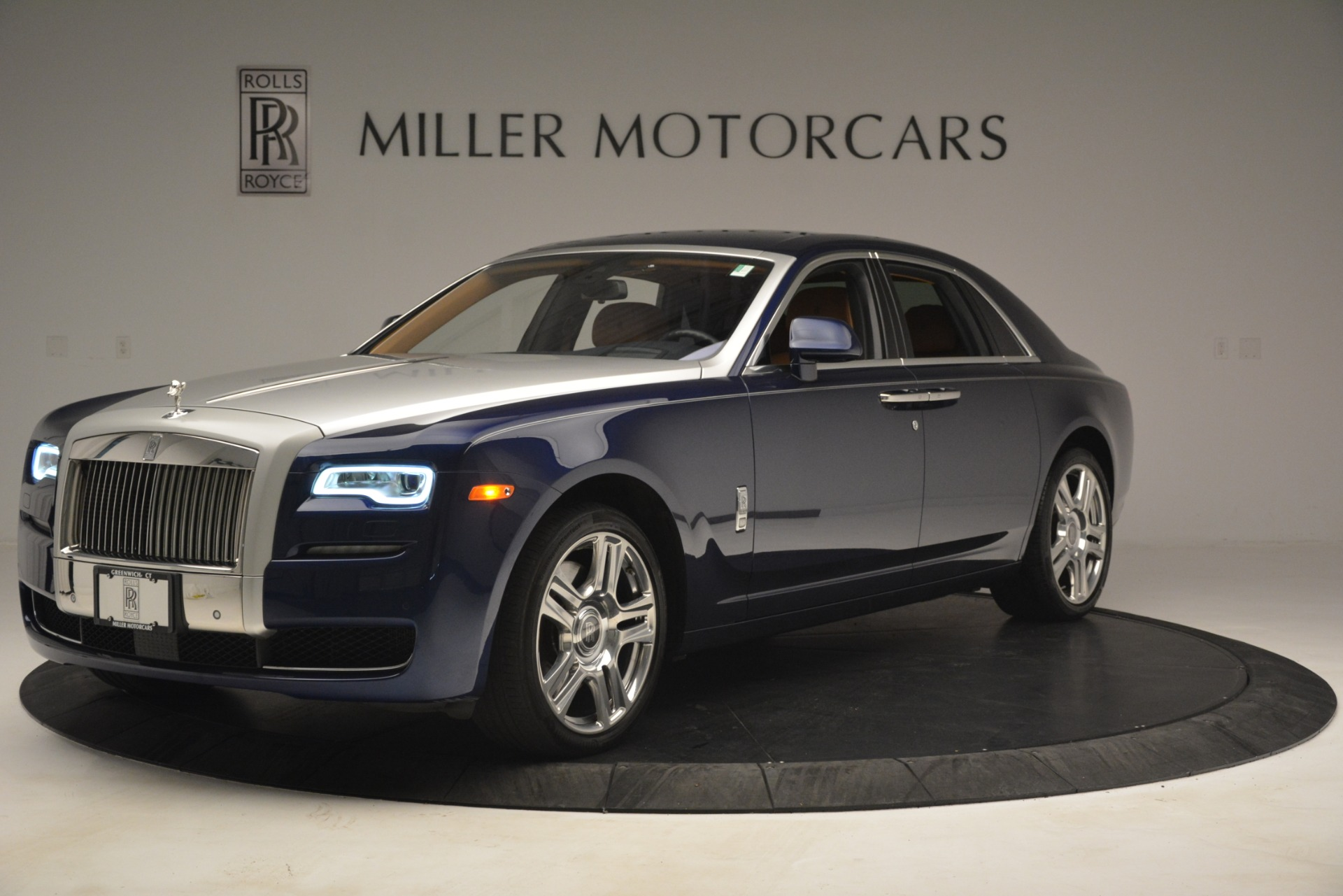 Used 2016 Rolls-Royce Ghost  For Sale In Greenwich, CT. Alfa Romeo of Greenwich, 7521 3050_p2