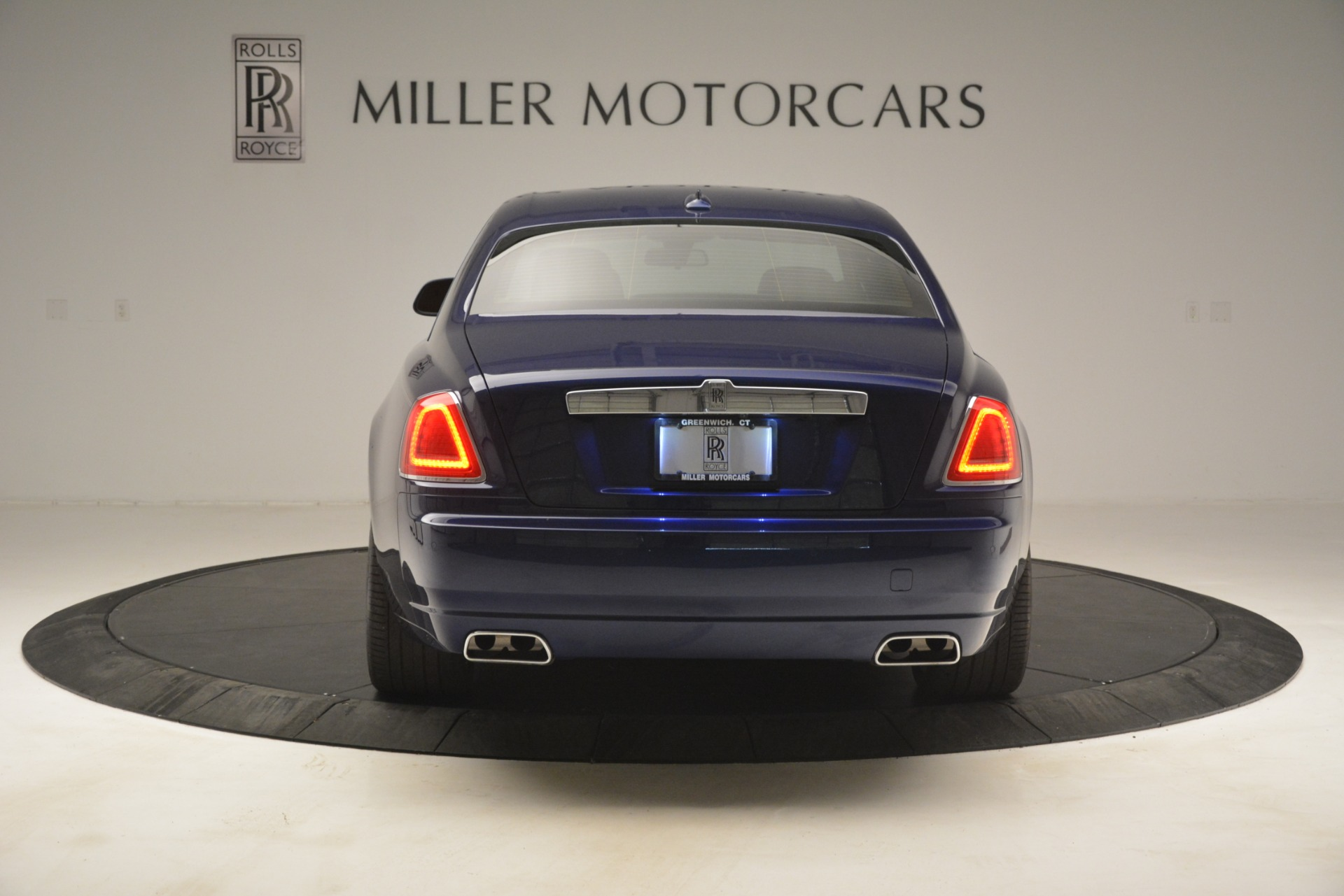 Used 2016 Rolls-Royce Ghost  For Sale In Greenwich, CT. Alfa Romeo of Greenwich, 7521 3050_p7