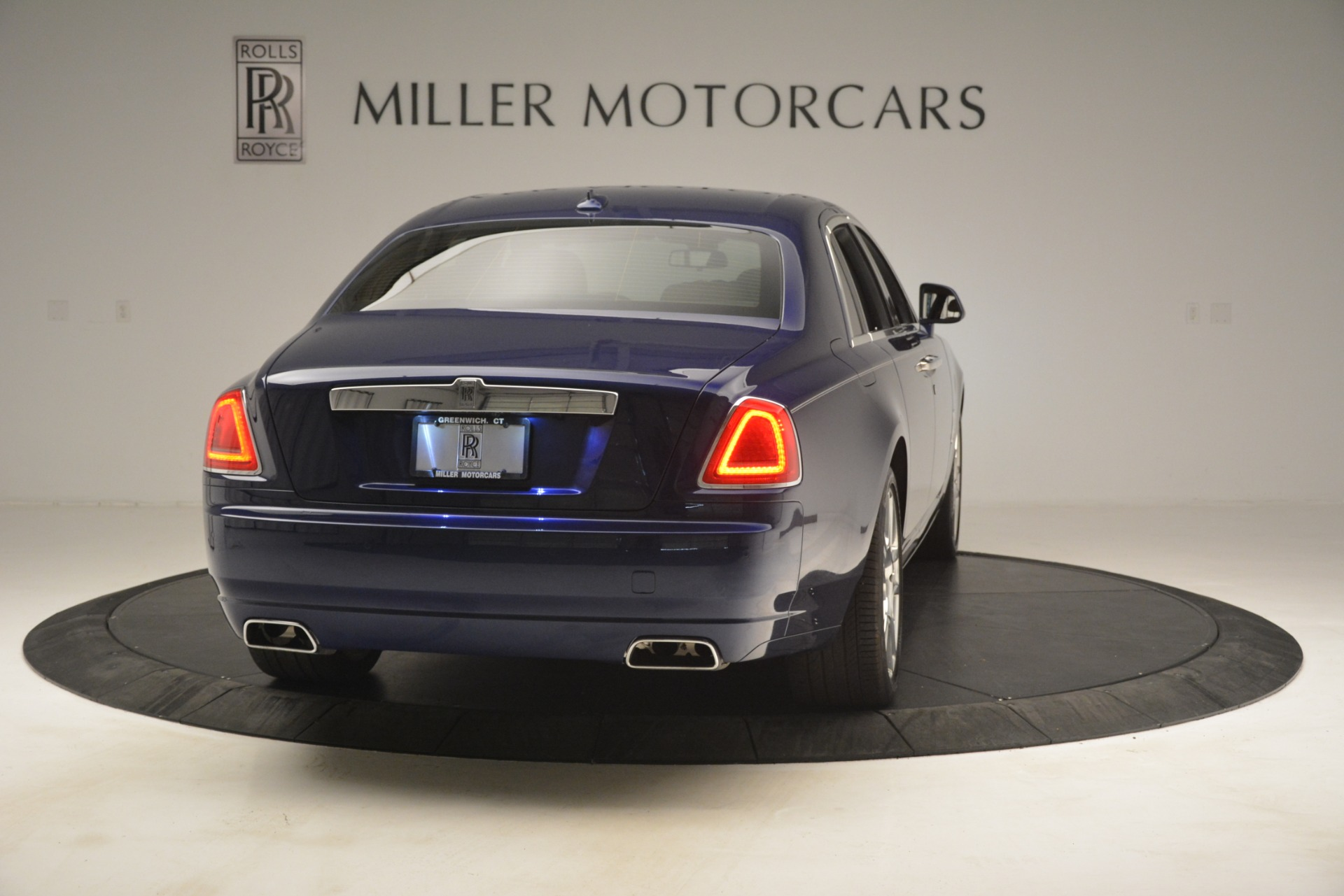 Used 2016 Rolls-Royce Ghost  For Sale In Greenwich, CT. Alfa Romeo of Greenwich, 7521 3050_p9