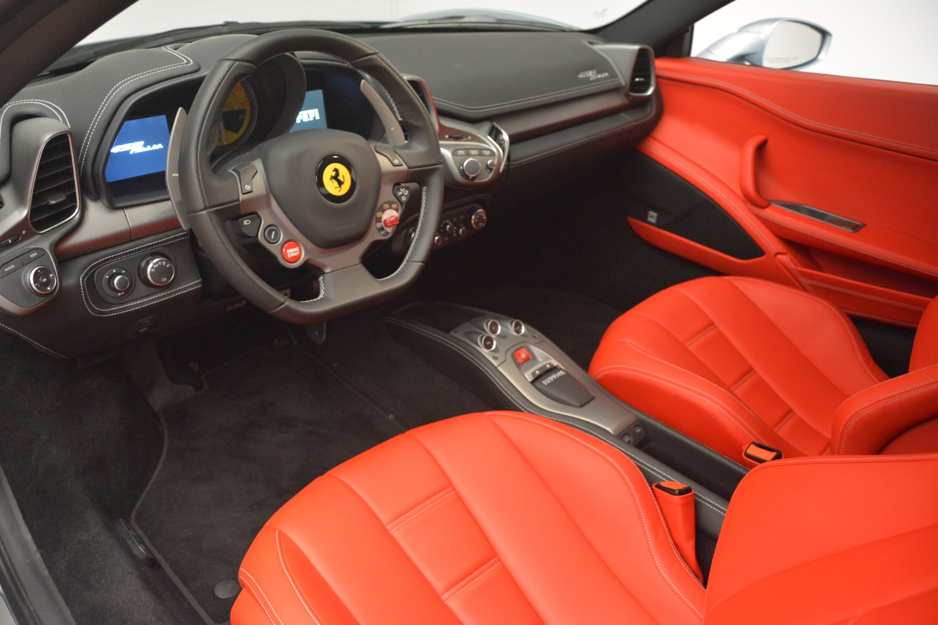 Used 2015 Ferrari 458 Italia  For Sale In Greenwich, CT. Alfa Romeo of Greenwich, 4548 3052_p13