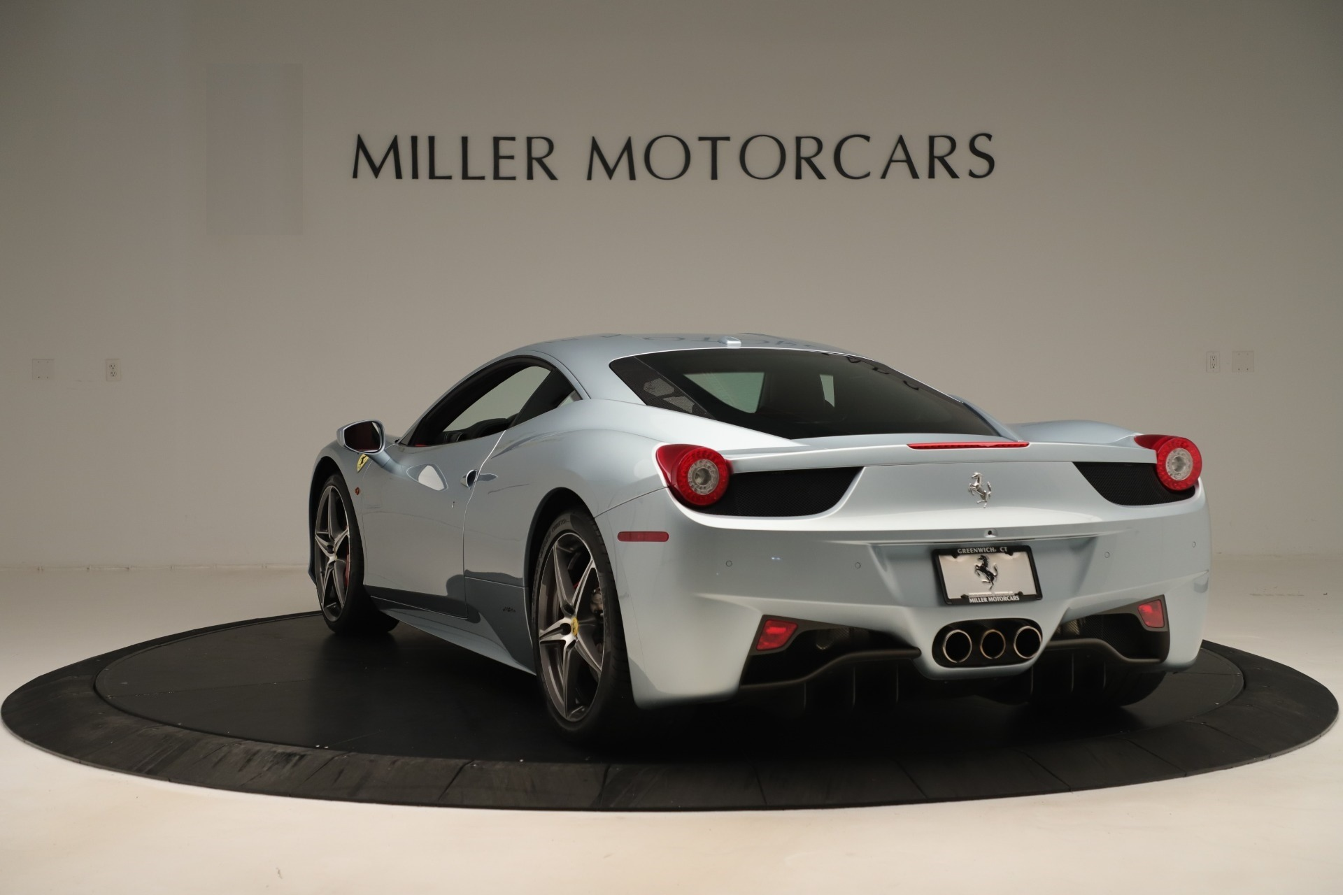 Used 2015 Ferrari 458 Italia  For Sale In Greenwich, CT. Alfa Romeo of Greenwich, 4548 3052_p5