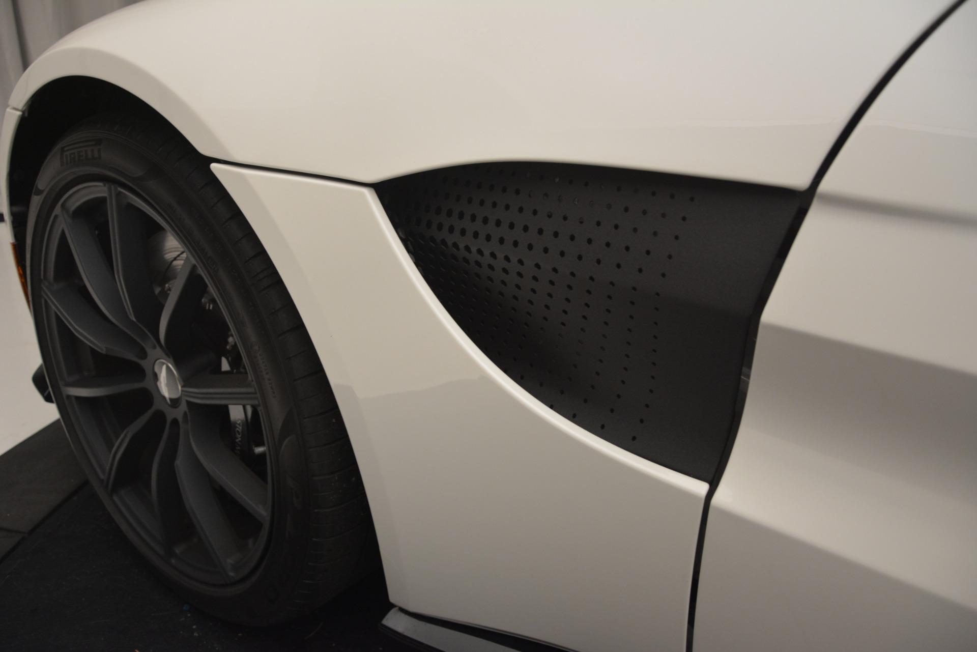 New 2019 Aston Martin Vantage Coupe For Sale In Greenwich, CT. Alfa Romeo of Greenwich, A1362 3053_p13