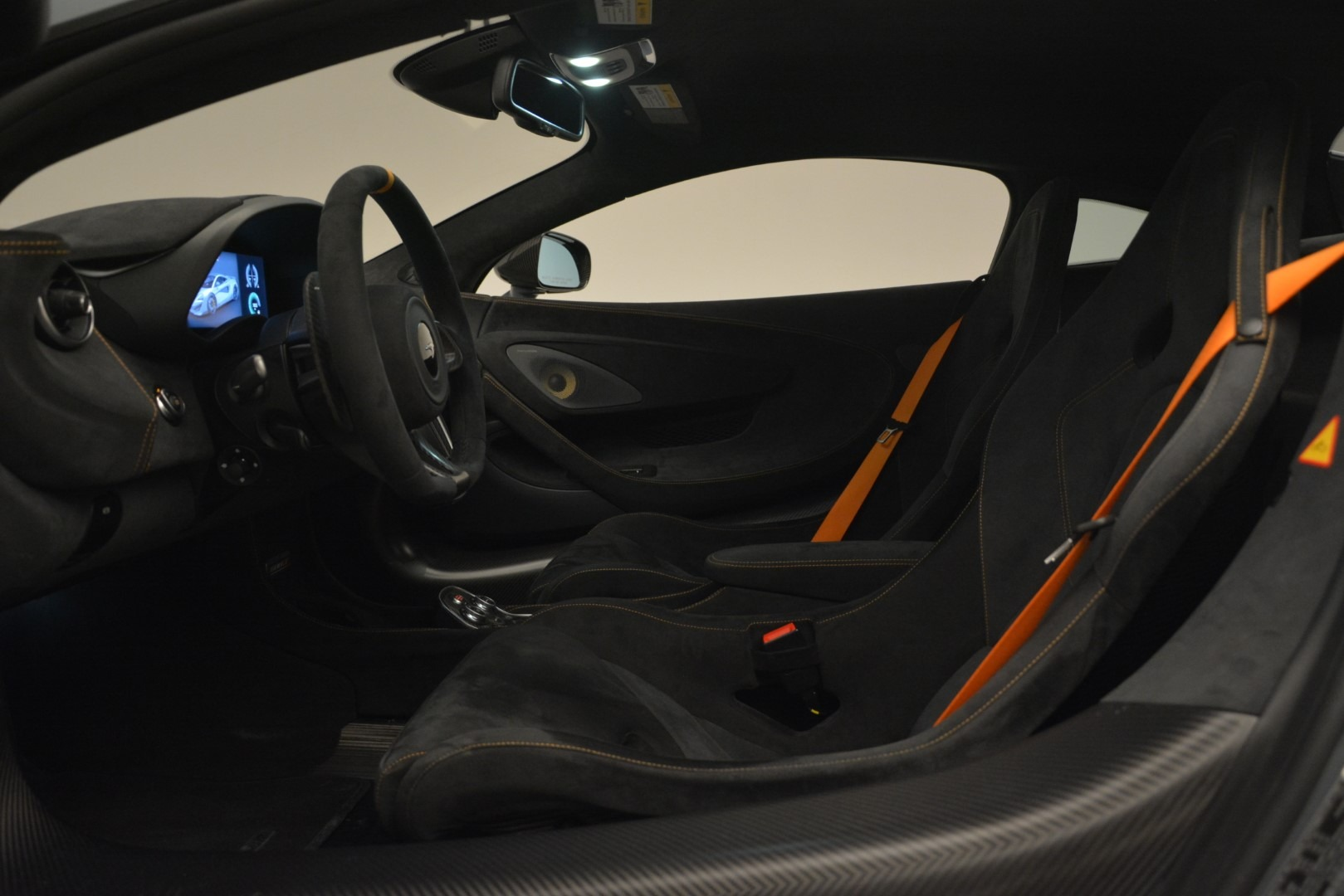 New 2019 McLaren 600LT Coupe For Sale In Greenwich, CT. Alfa Romeo of Greenwich, MC413 3055_p18