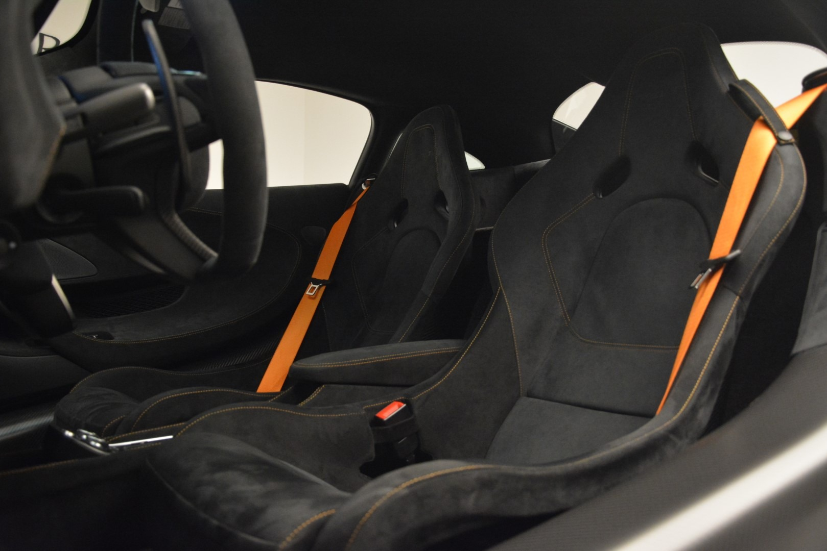 New 2019 McLaren 600LT Coupe For Sale In Greenwich, CT. Alfa Romeo of Greenwich, MC413 3055_p19