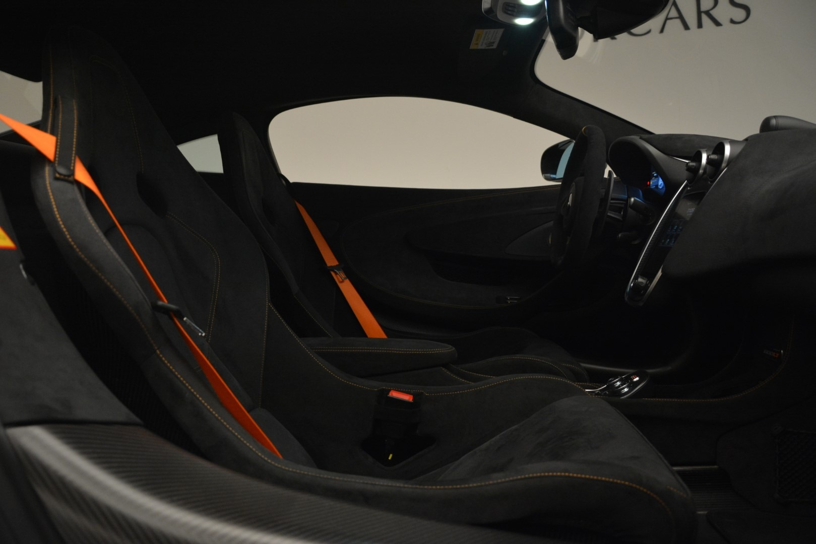 New 2019 McLaren 600LT Coupe For Sale In Greenwich, CT. Alfa Romeo of Greenwich, MC413 3055_p21