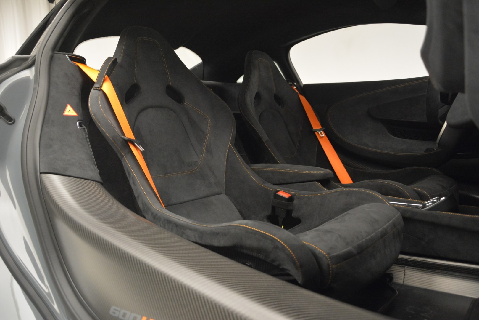 New 2019 McLaren 600LT Coupe For Sale In Greenwich, CT. Alfa Romeo of Greenwich, MC413 3055_p22