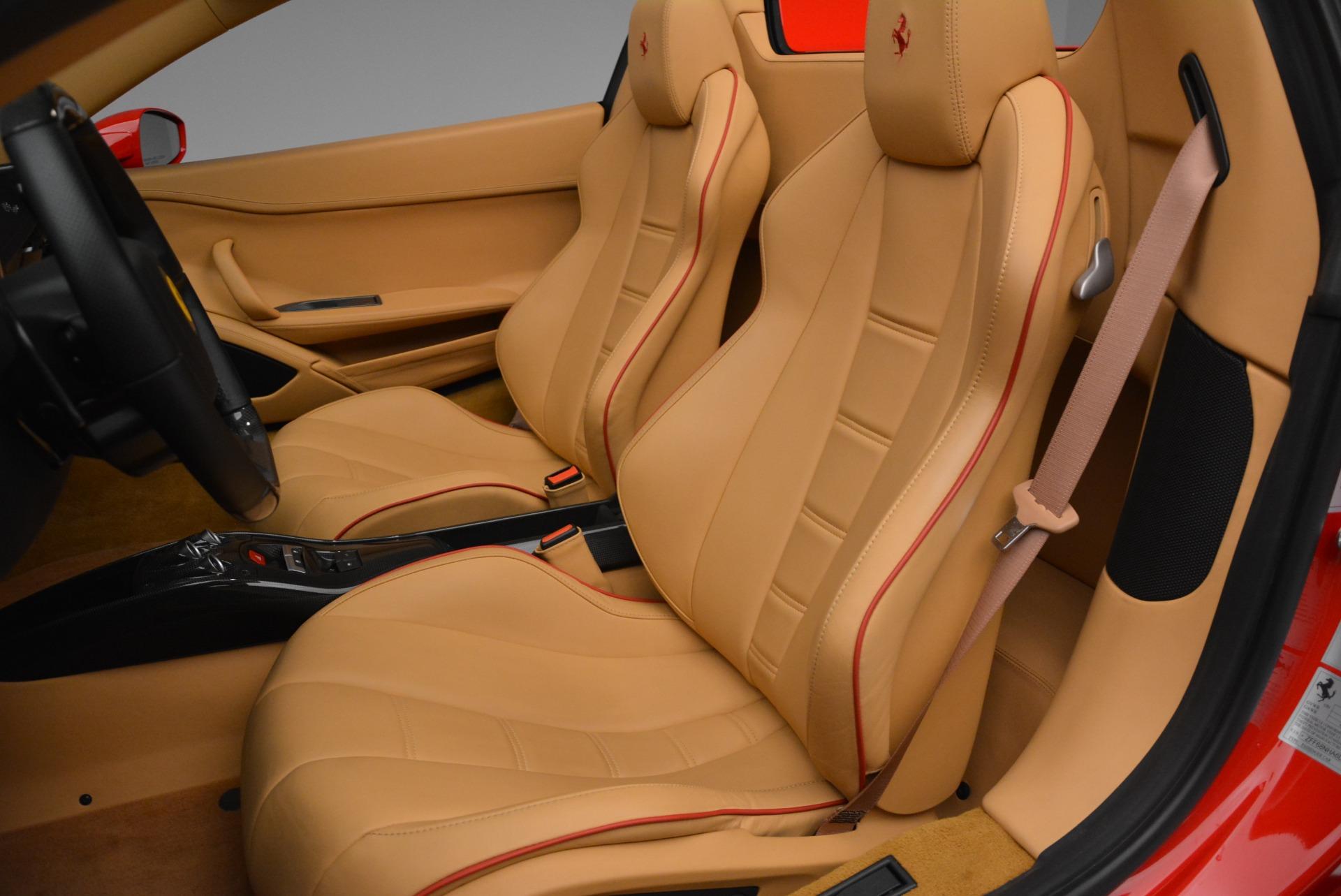Used 2013 Ferrari 458 Spider  For Sale In Greenwich, CT. Alfa Romeo of Greenwich, F1891A 3057_p31