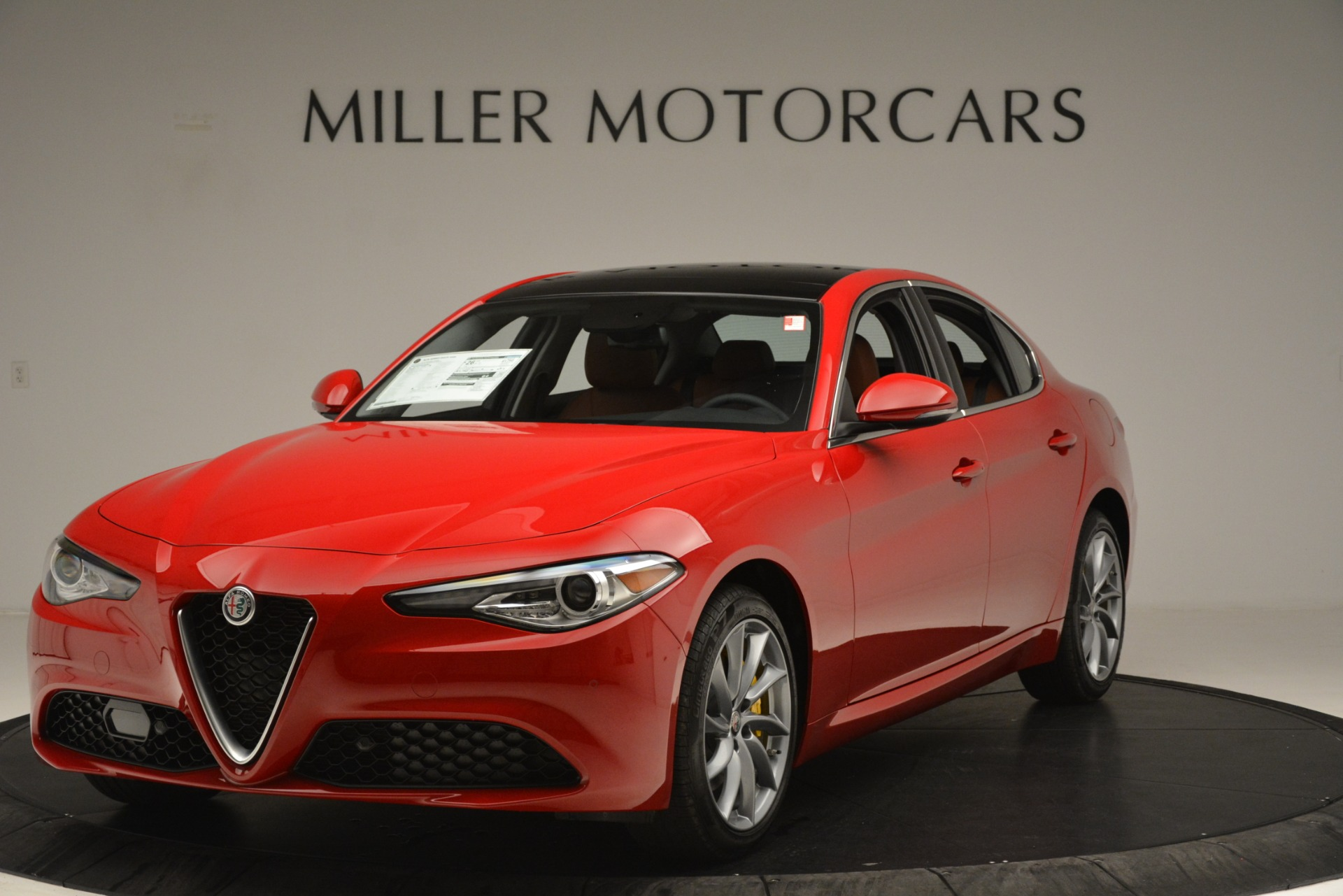 New 2019 Alfa Romeo Giulia Q4 For Sale In Greenwich, CT. Alfa Romeo of Greenwich, L601 3070_main