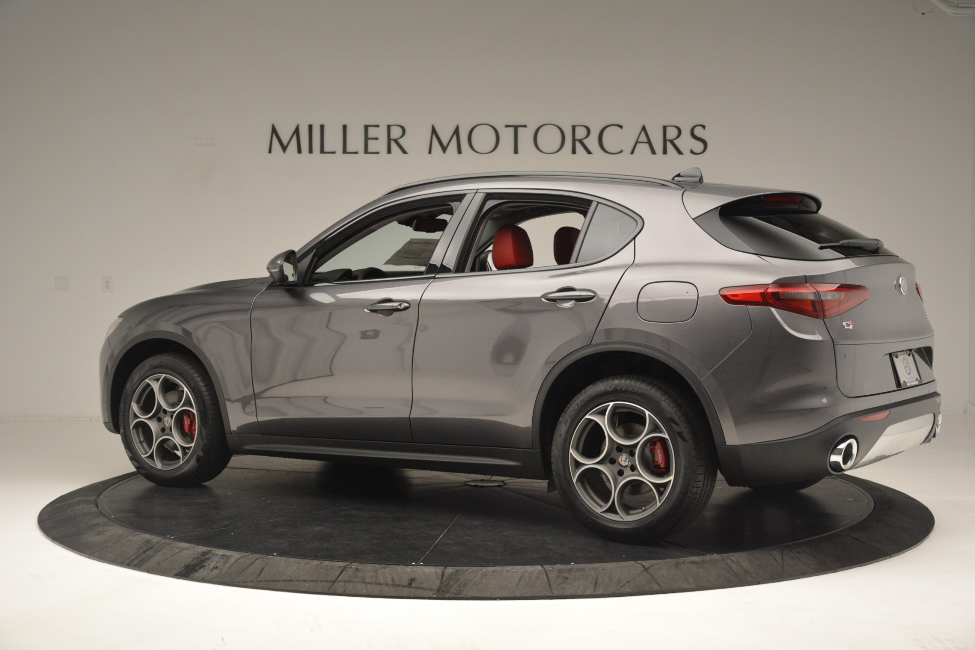 New 2019 Alfa Romeo Stelvio Sport Q4 For Sale In Greenwich, CT. Alfa Romeo of Greenwich, L606 3075_p4
