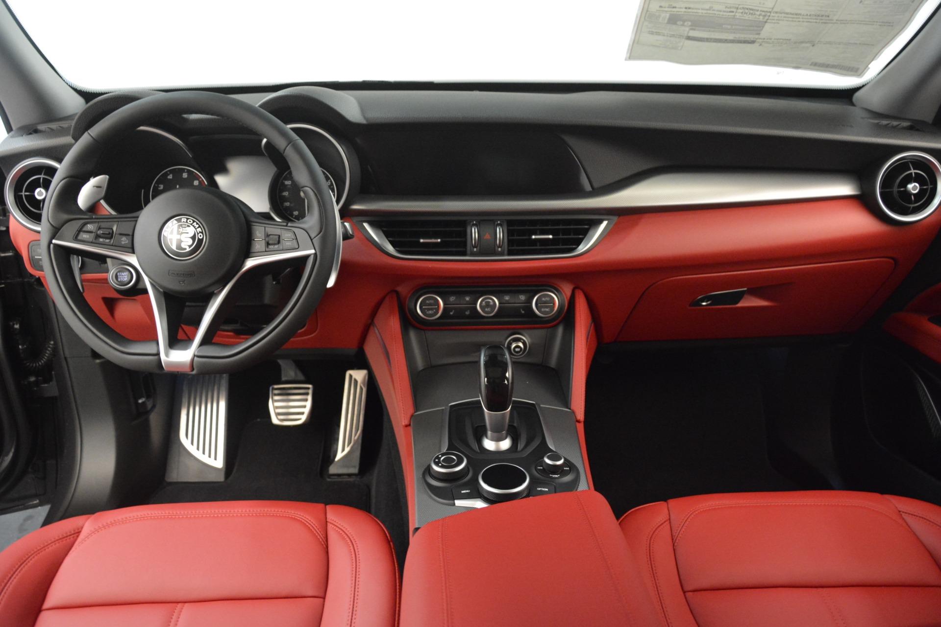New 2019 Alfa Romeo Stelvio Sport Q4 For Sale In Greenwich, CT. Alfa Romeo of Greenwich, L607 3076_p16