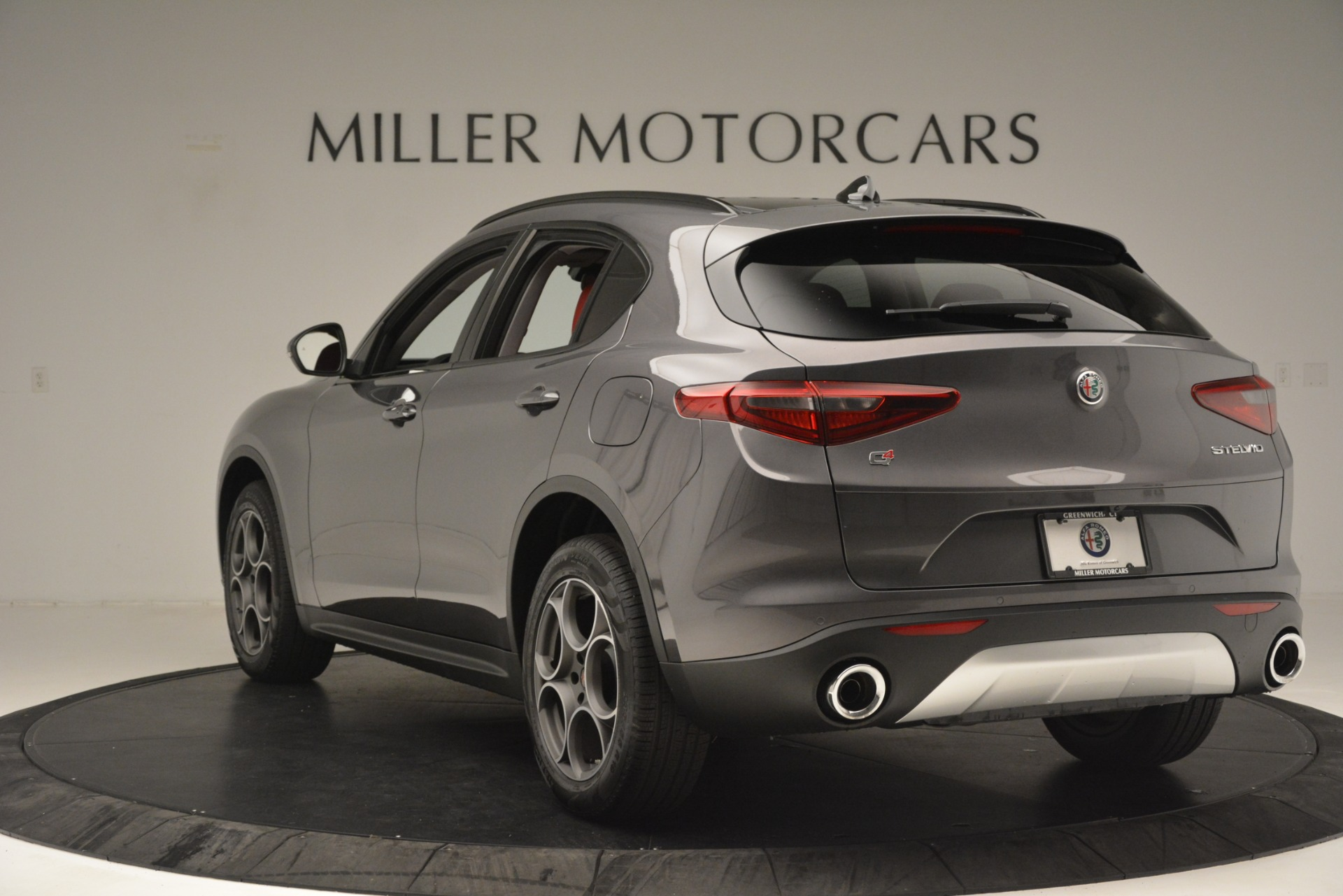 New 2019 Alfa Romeo Stelvio Sport Q4 For Sale In Greenwich, CT. Alfa Romeo of Greenwich, L607 3076_p5