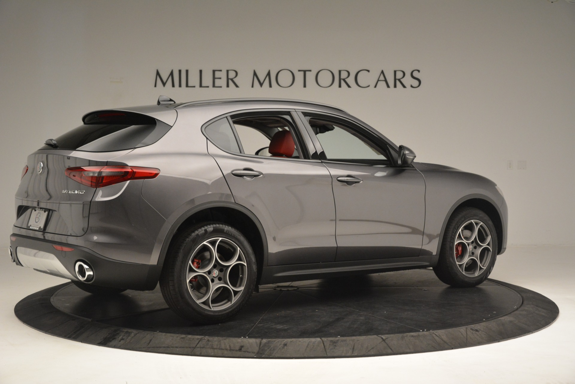 New 2019 Alfa Romeo Stelvio Sport Q4 For Sale In Greenwich, CT. Alfa Romeo of Greenwich, L607 3076_p8