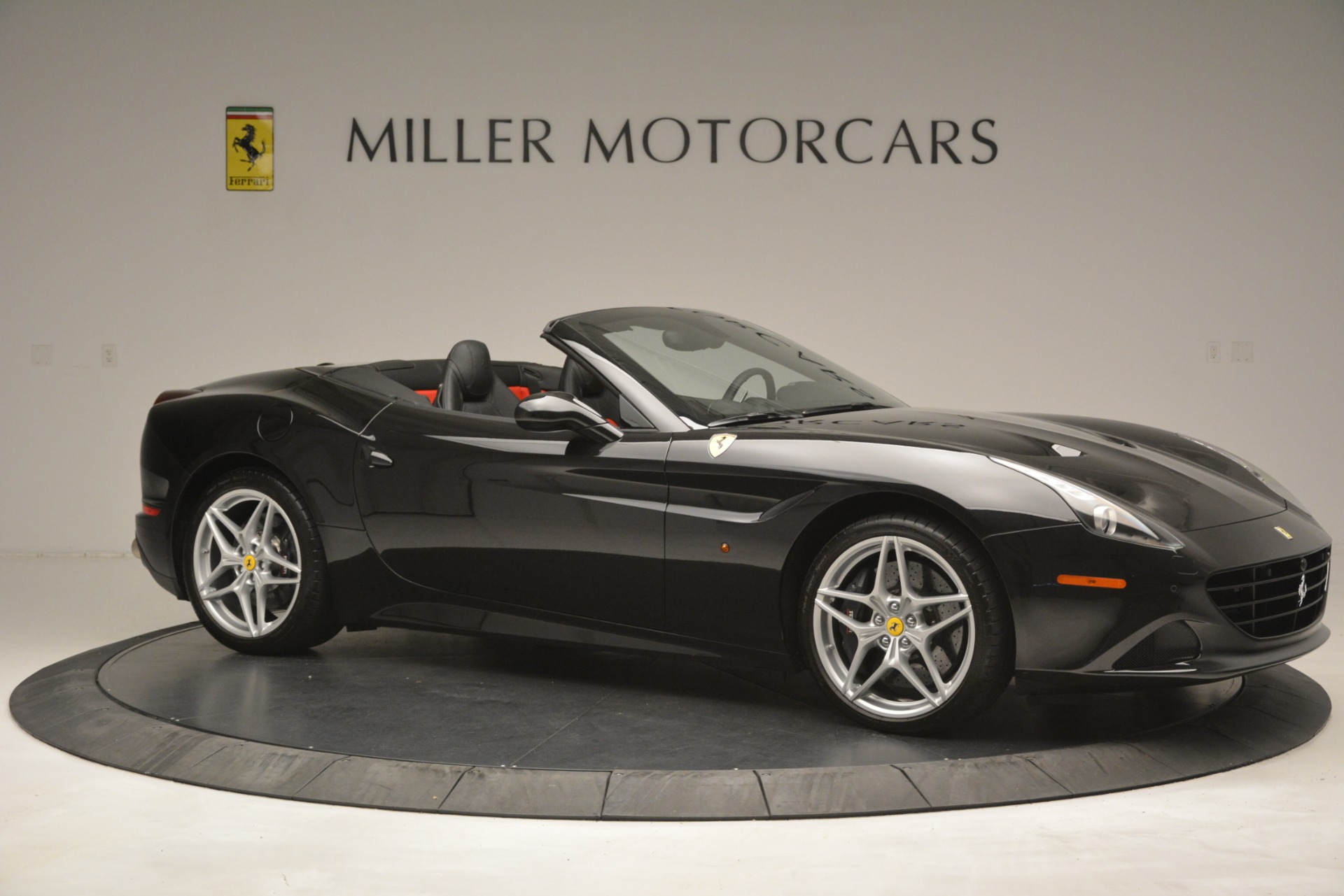 Used 2016 Ferrari California T  For Sale In Greenwich, CT. Alfa Romeo of Greenwich, F1943A 3082_p10