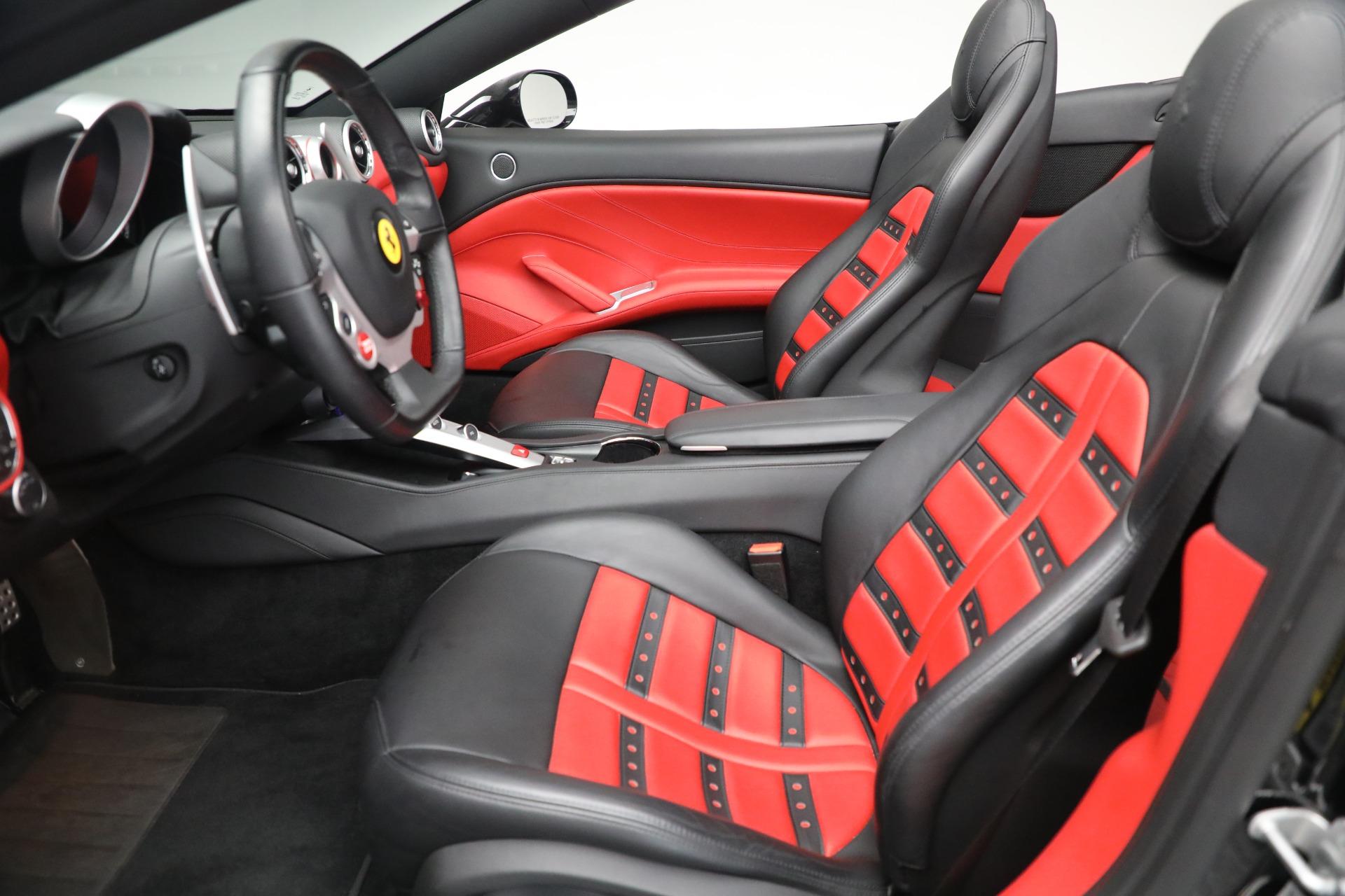 Used 2016 Ferrari California T  For Sale In Greenwich, CT. Alfa Romeo of Greenwich, F1943A 3082_p20