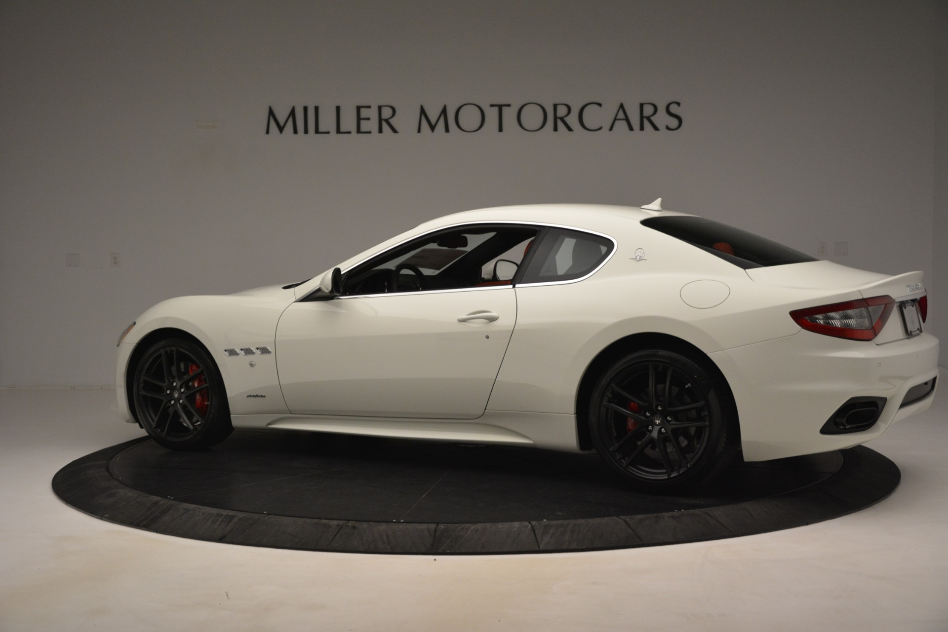 New 2018 Maserati GranTurismo Sport For Sale In Greenwich, CT. Alfa Romeo of Greenwich, W680 3083_p4