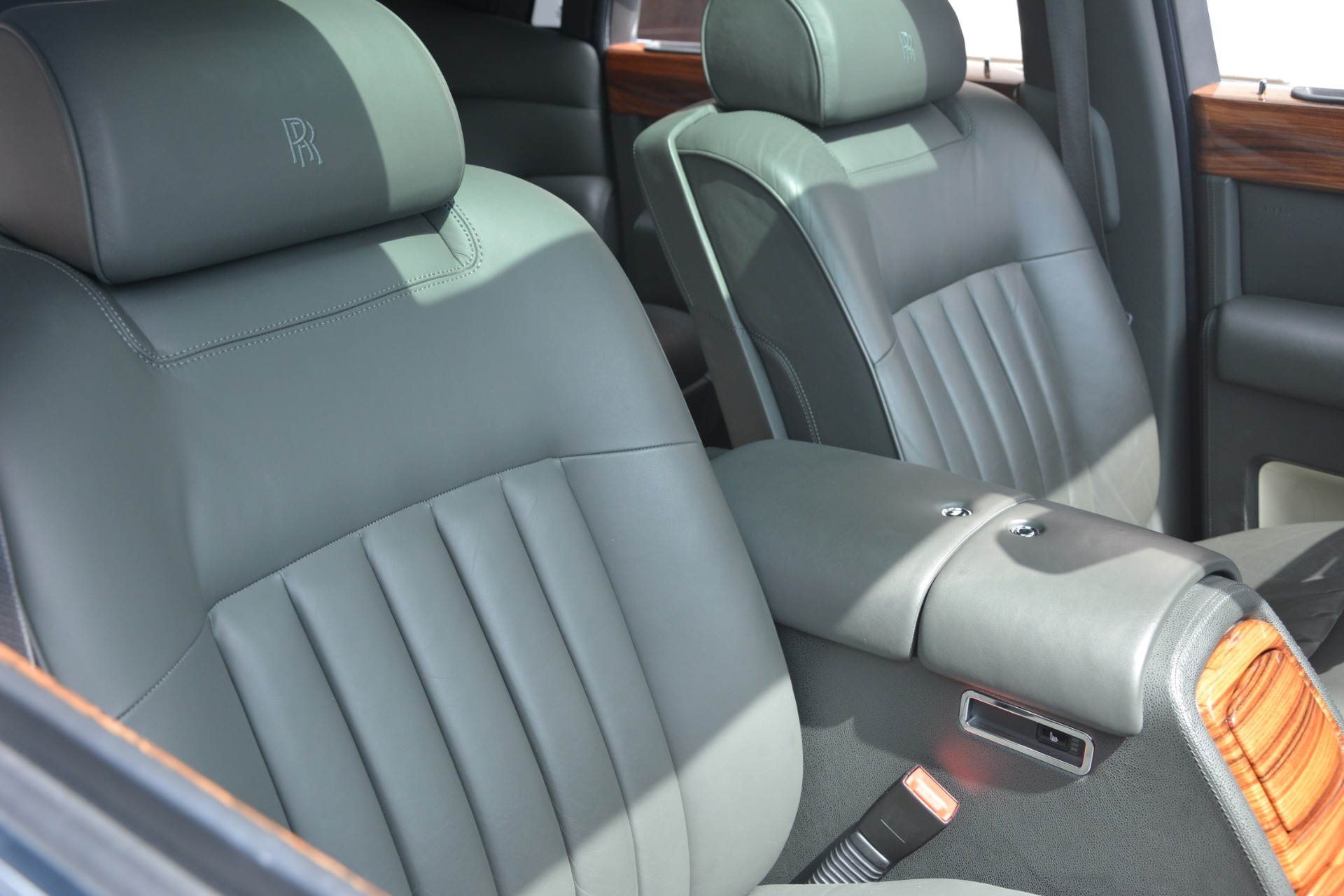 Used 2007 Rolls-Royce Phantom  For Sale In Greenwich, CT. Alfa Romeo of Greenwich, R483A 3089_p21